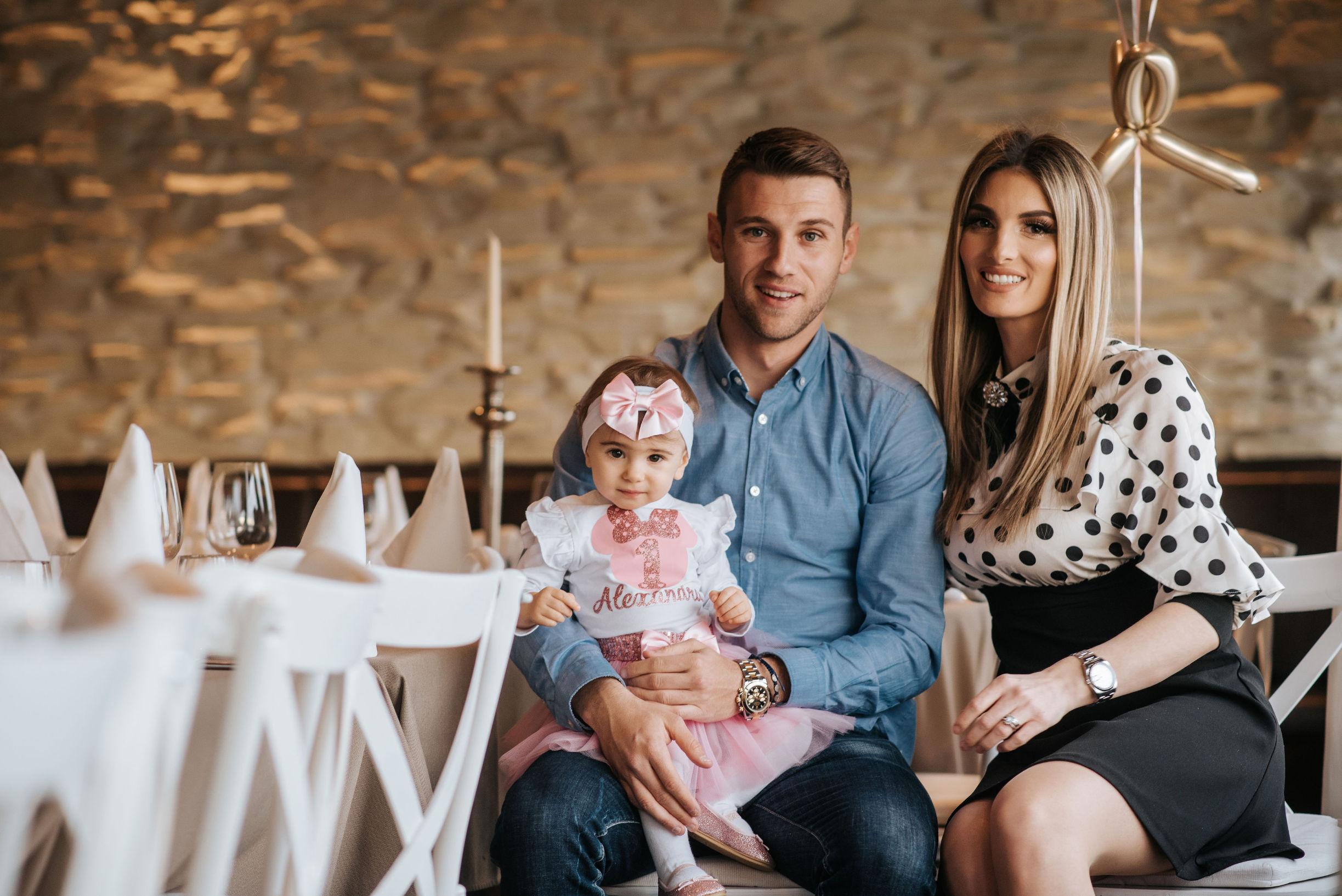 Mario i Anita Musa s kćerkicom Alexandrom povodom njezinog prvog rođendana