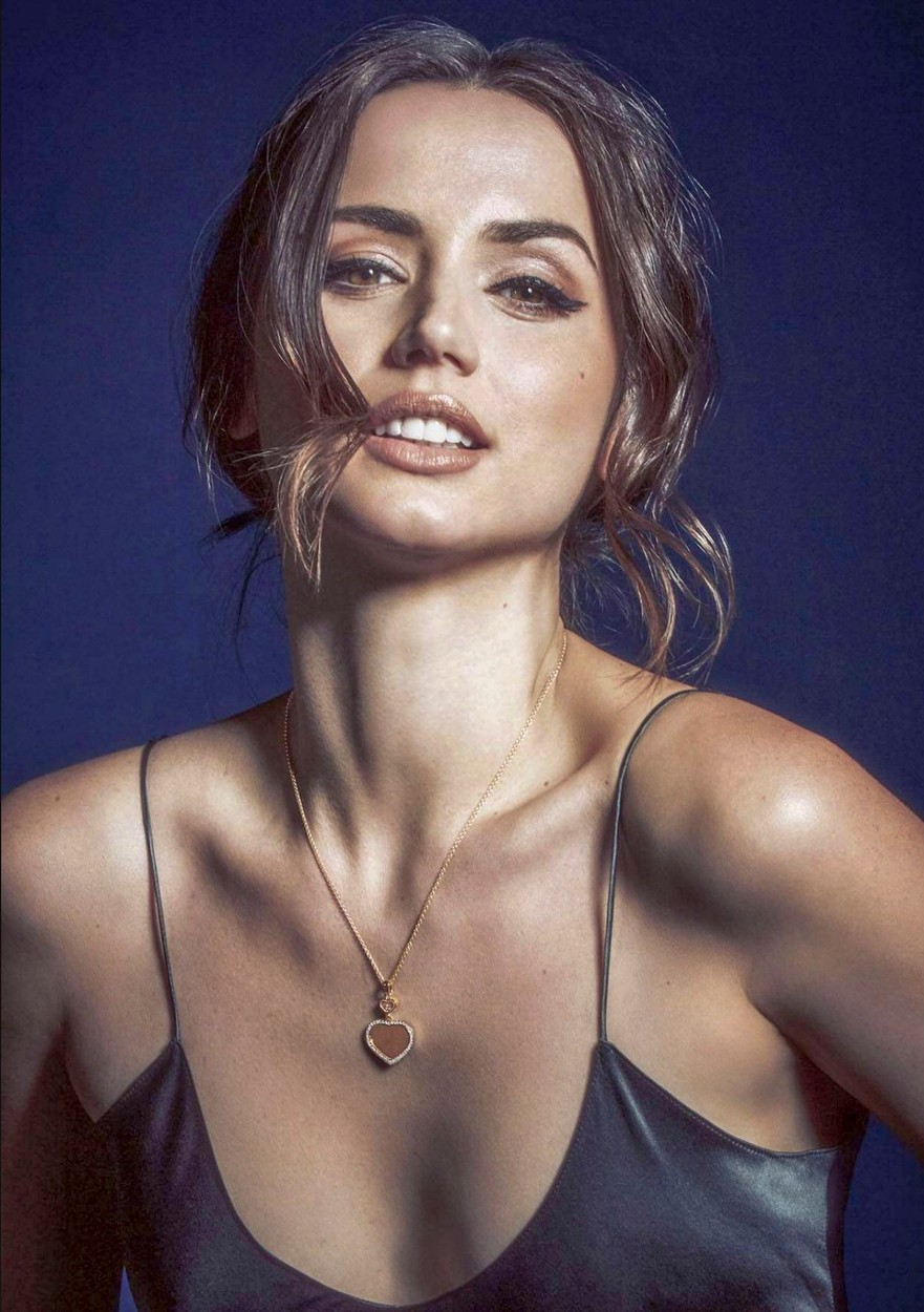 Photo © 2020: Chopard via The Grosby Group Ana de Armas is the new facr of luxury French jewelry brand, Chopard. She will be wearing Chopard jewelry in the new, soon to be released, James Bond film, No Time to Die., Image: 500595758, License: Rights-managed, Restrictions: , Model Release: no, Credit line: Chopard via The Grosby Group / Grosby Group / Profimedia