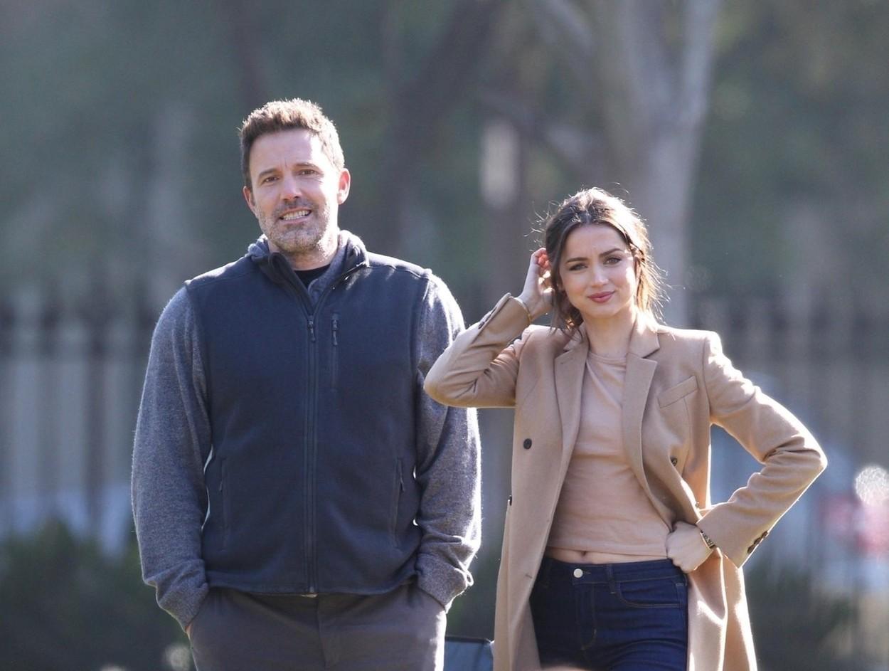 """Ben Affleck i Ana De Armas na snimanju filma """"Deep Water"""" u studenom 2019. godine"""