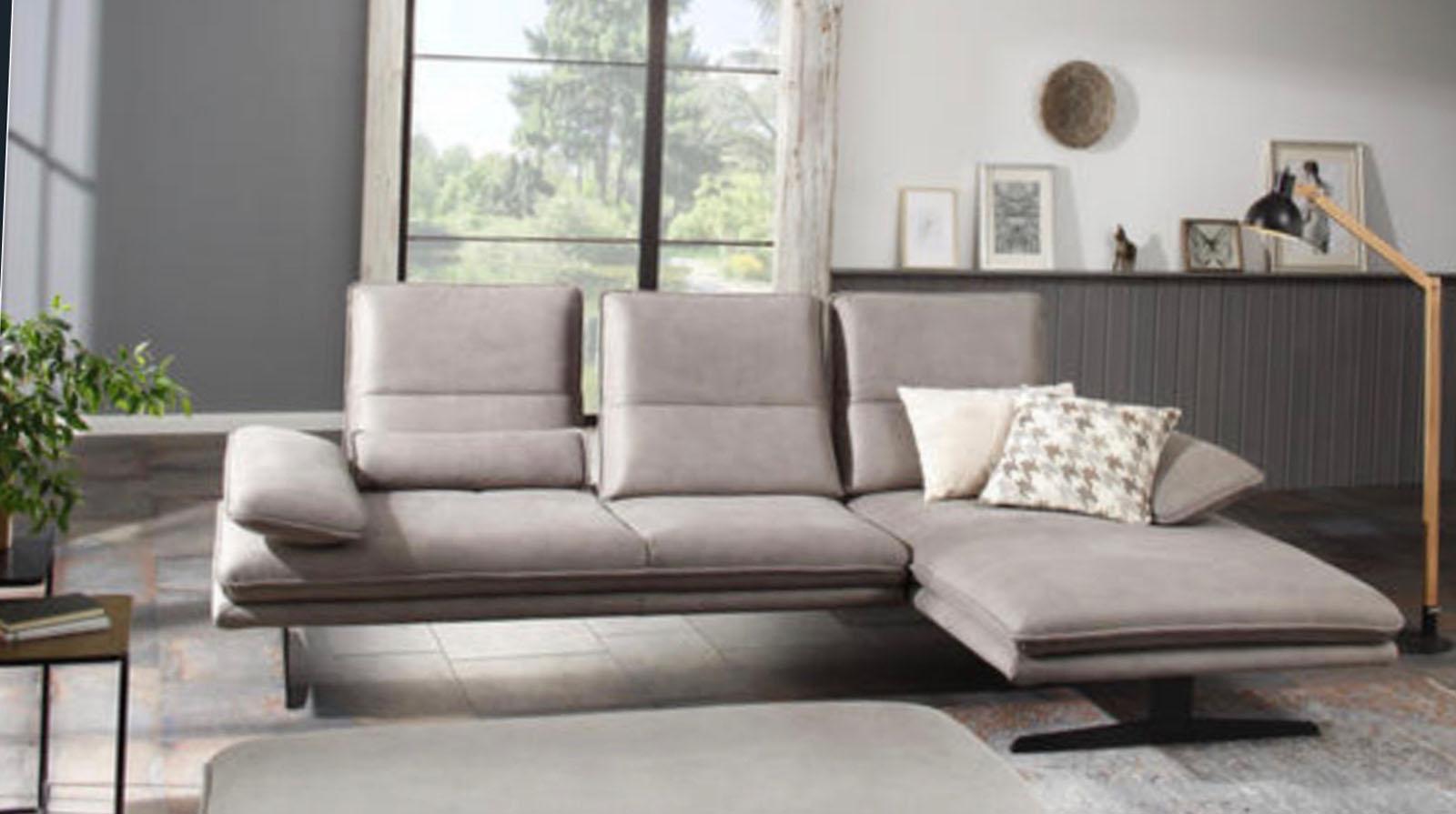 Lesnina siva sofa