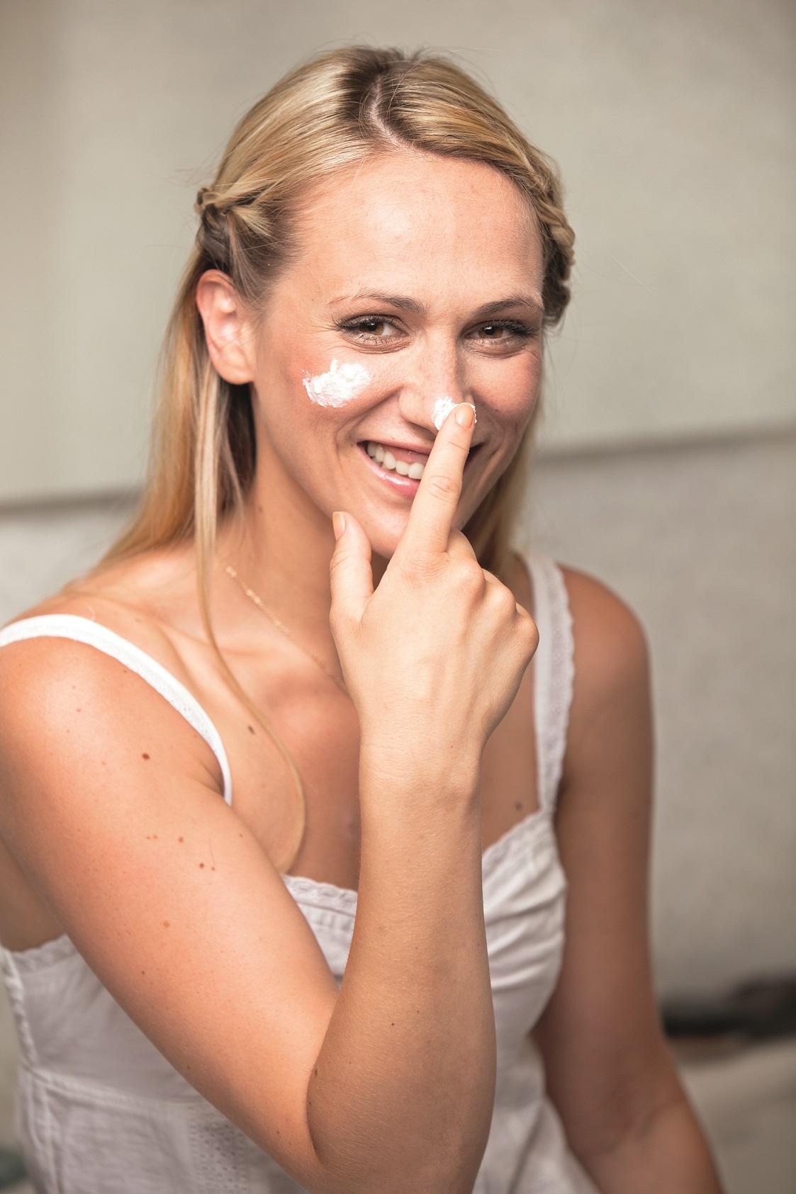 Beauty tema Kucni Spa. Model Neda Parmac. Vizazist Zana Kozul. Stilist Iva Gradiser.  Snimljeno u Shoowroom Credo centar.  Fotograf MAtej Dokic 040712 GLORIA