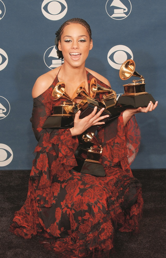 401611 152: Singer Alicia Keys poses backstage during the 44th Annual Grammy Awards at Staples Center February 27, 2002 in Los Angeles, CA. Keys won Best New Artist, Best Female R&B Vocal Performance and Song of the Year for