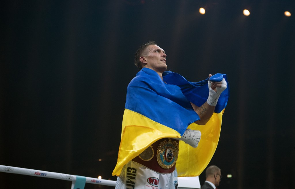 Alexander Usyk (Ukraine) celebrates after his victory over Huck (Germany) during the World Boxing Super Series light middle weight fight at the Max Schmeling Hall in Berlin, Germany, 9 September 2017. Photo: Soeren Stache/dpa