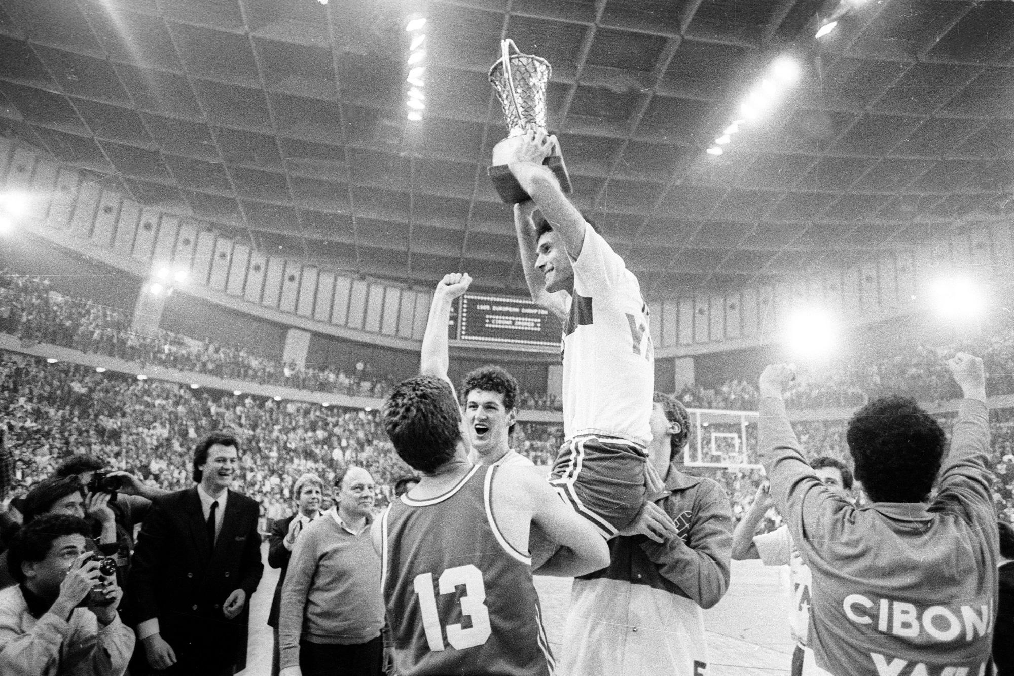 Cibona prvak 85'