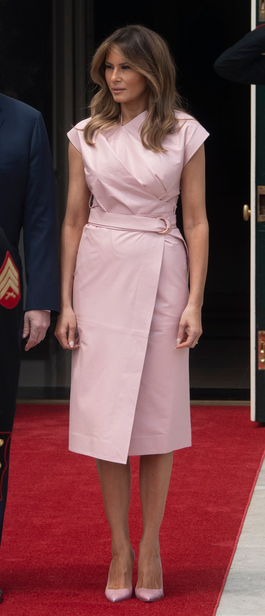 First lady Melania Trump awaits the arrival of King Abdullah II bin Al-Hussein and Queen Rania Al Abdullah of the Hashemite Kingdom of Jordan to the White House in Washington, DC on Monday, June 25, 2018., Image: 376034189, License: Rights-managed, Restrictions: , Model Release: no, Credit line: Ron Sachs / ADMedia / Profimedia