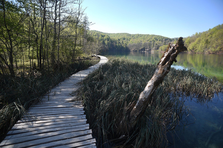 Plitvicka Jezera, 240420. Prvi put u svojoj povijesti Nacionalni park Plitvicka jezera zatvoren je za posjetitelje u sezoni. Na fotografiji: Jezera nacionalnog parka. Foto: Robert Fajt / CROPIX