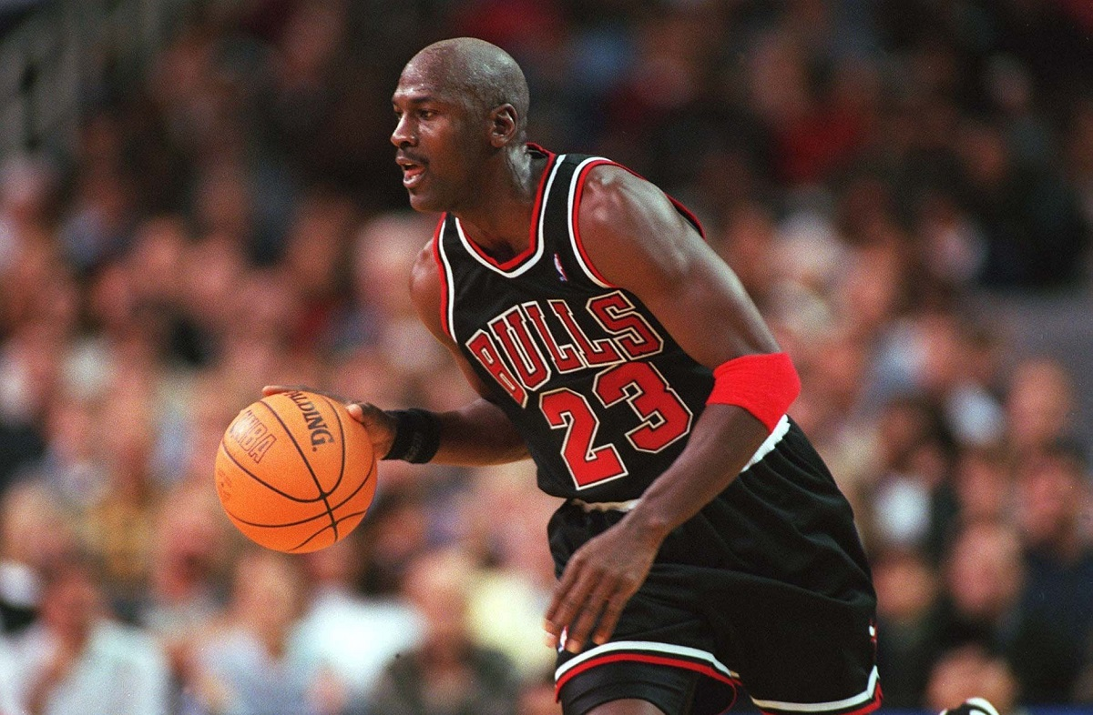 UNITED STATES - NOVEMBER 07:  NBA 97/98 CHICAGO BULLS; Michael JORDAN/CHICAGO BULLS  (Photo by Alexander Hassenstein/Bongarts/Getty Images)