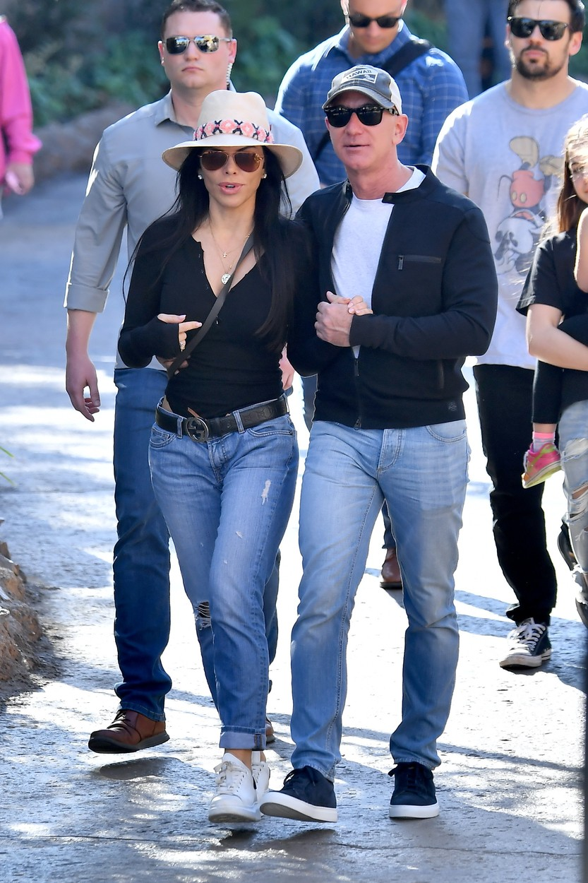 ** PREMIUM EXCLUSIVE RATES APPLY **   Jeff Bezos and his girlfriend Lauren Sanchez have a blast on valentines day as they ride thrill rides at Disneyland together. Jeff kept his hands on his girl as he spent his special valentines day at the happiest place on earth. The couple, who were flanked by security, rode Big Thunder Mountain together as well as the rides in Star War's Galaxy's Edge. They dined at the exclusive Club 33. 14 Feb 2020, Image: 498832667, License: Rights-managed, Restrictions: World Rights, Model Release: no, Credit line: Snorlax / MEGA / The Mega Agency / Profimedia