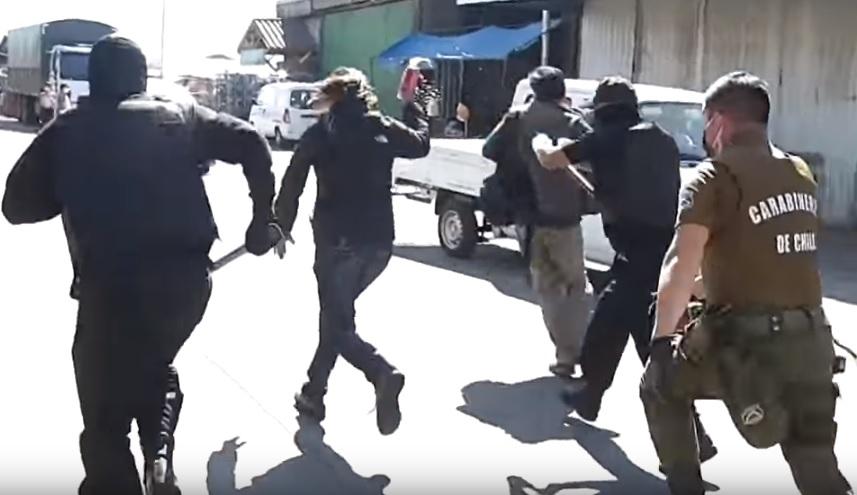 uhićena žena u Čileu