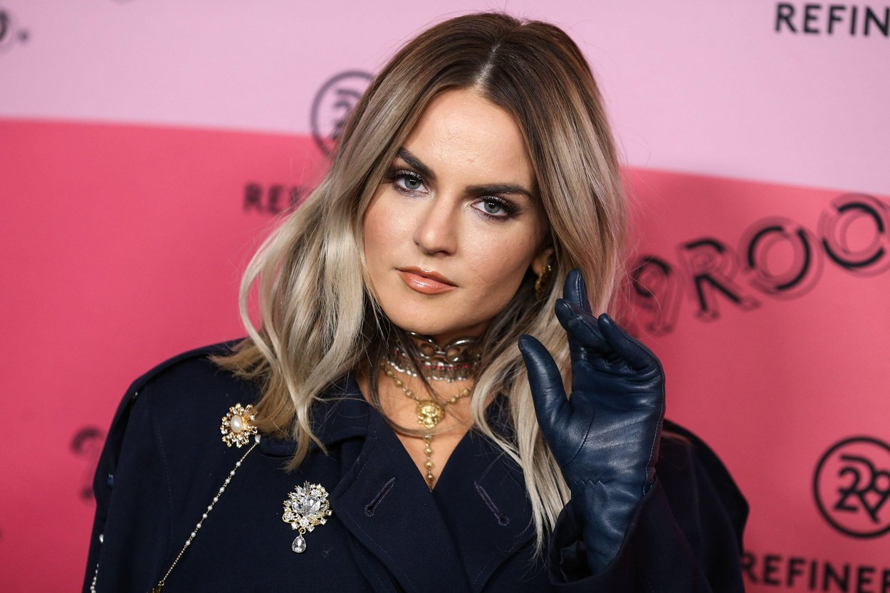 LOS ANGELES, CA, USA - DECEMBER 04: Singer JoJo aka Joanna Noelle Levesque arrives at the Refinery29 29Rooms Los Angeles 2018: Expand Your Reality Opening Party held at The Reef A Creative Habitat on December 4, 2018 in Los Angeles, California, United States. (Photo by Xavier Collin/Image Press Agency), Image: 401364890, License: Rights-managed, Restrictions: Contributor usage restriction: Advertising and promotion, Consumer goods, Direct mail and brochures, Indoor display, Internal business usage, Commercial electronic., Model Release: no, Credit line: Image Press Agency / Alamy / Alamy / Profimedia