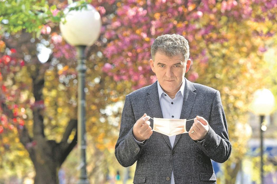 Zagreb, 050420. Ratkajev prolaz, Marticeva ulica. doc. dr. Rok Civljak, infektolog. Foto: Darko Tomas / CROPIX
