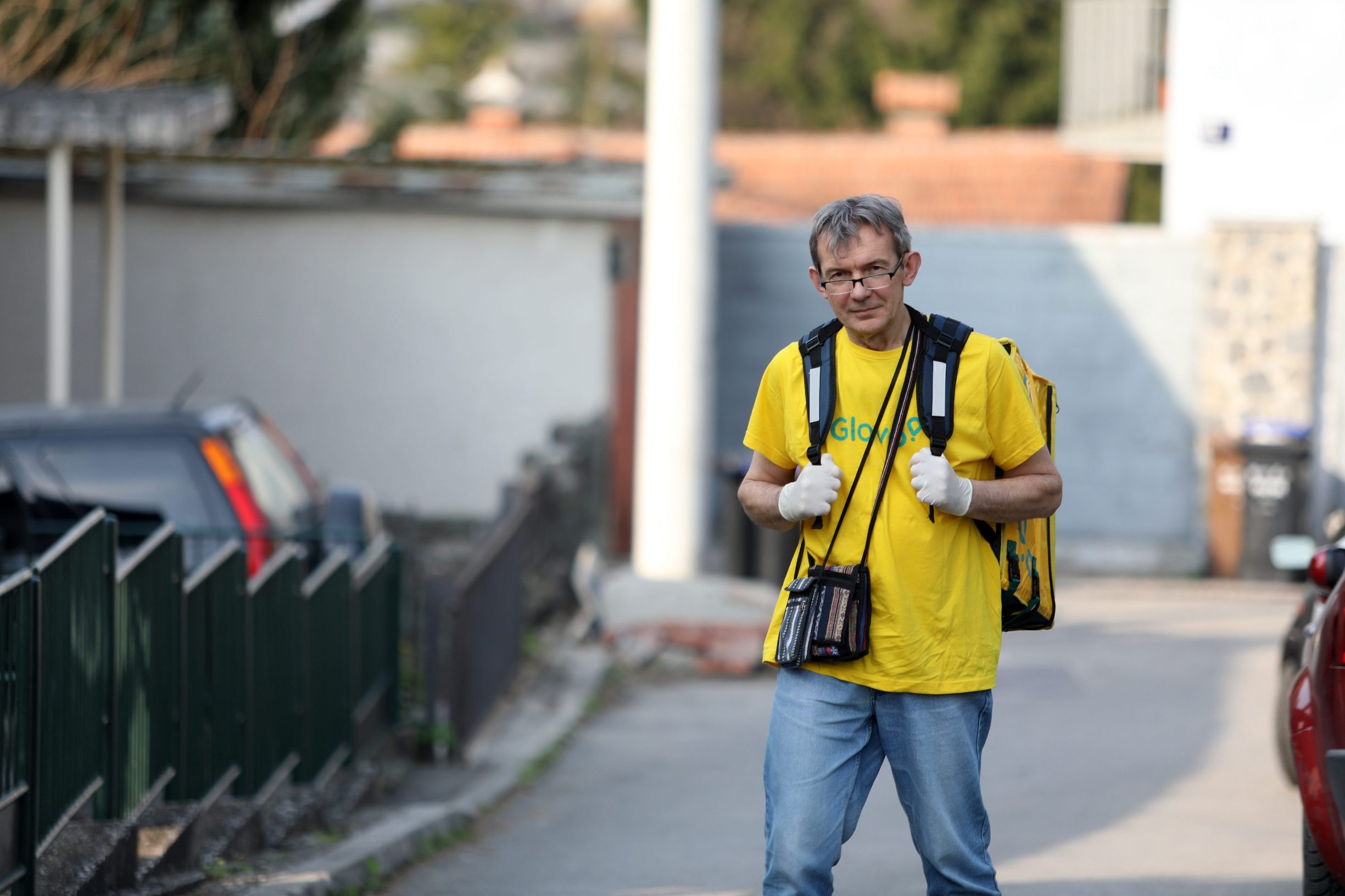 Zagreb, 210320. Visnjica Heroji, dostavljac Glova Jadranko Tudovic. Foto: Ranko Suvar / CROPIX