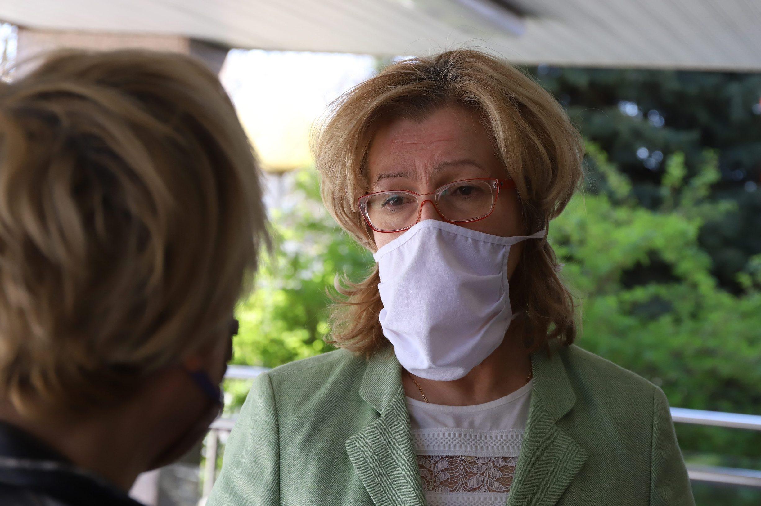 SPECIJAL JUTARNJI! Koprivnica, 090420. U Domu za starije i nemocne u Koprivnici jedna je osoba pozitivna na koronavirus. Na fotografiji: ravnateljica Vesna Krizan. Foto: Zeljko Hajdinjak / CROPIX
