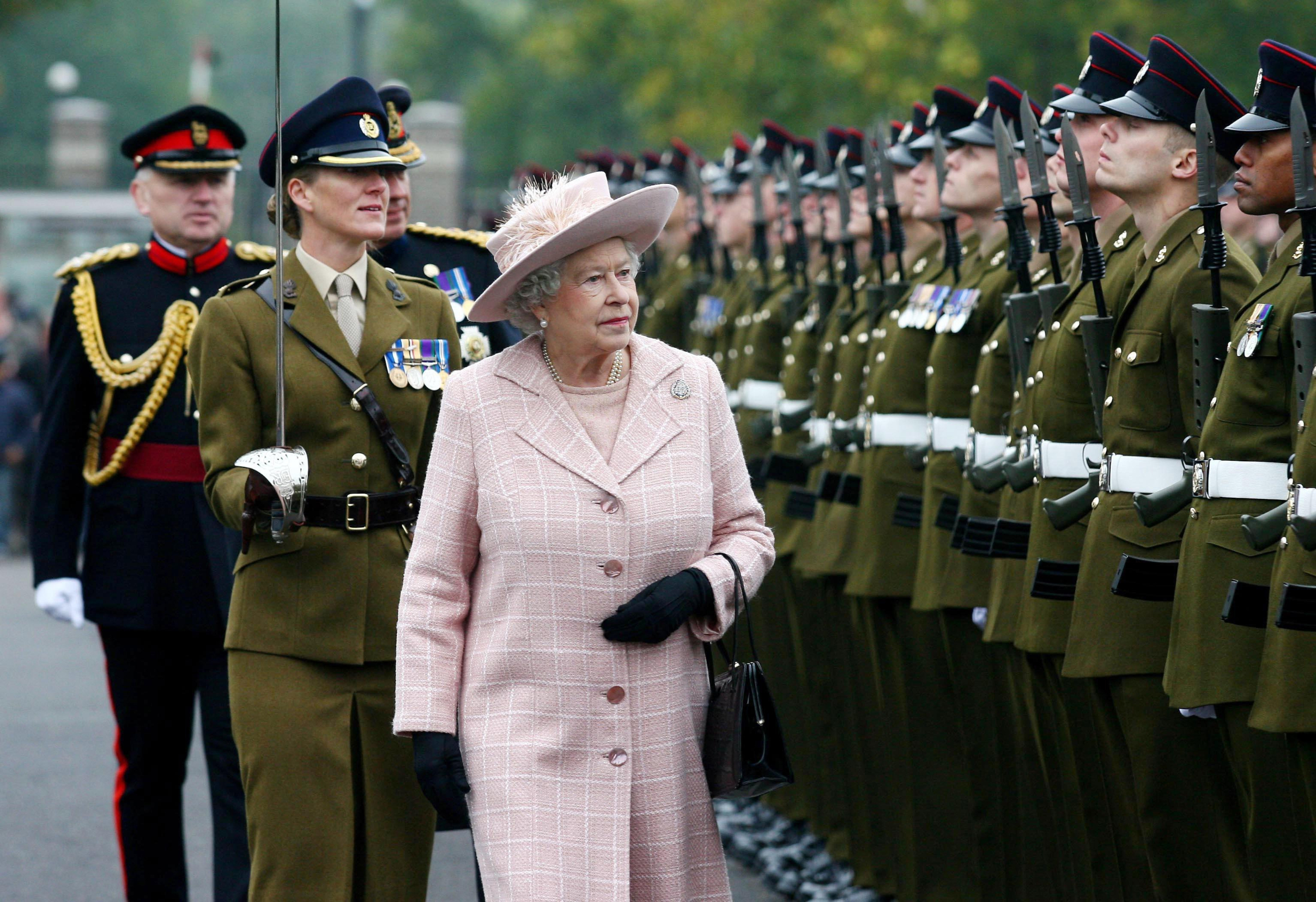 File photo dated 25/10/07 of Queen Elizabeth II inspecting the guard of honour during a visit to the Corps of Royal Engineers at Brompton Barracks, Chatham, Kent., Image: 518102826, License: Rights-managed, Restrictions: FILE PHOTO, Model Release: no, Credit line: Gareth Fuller / PA Images / Profimedia