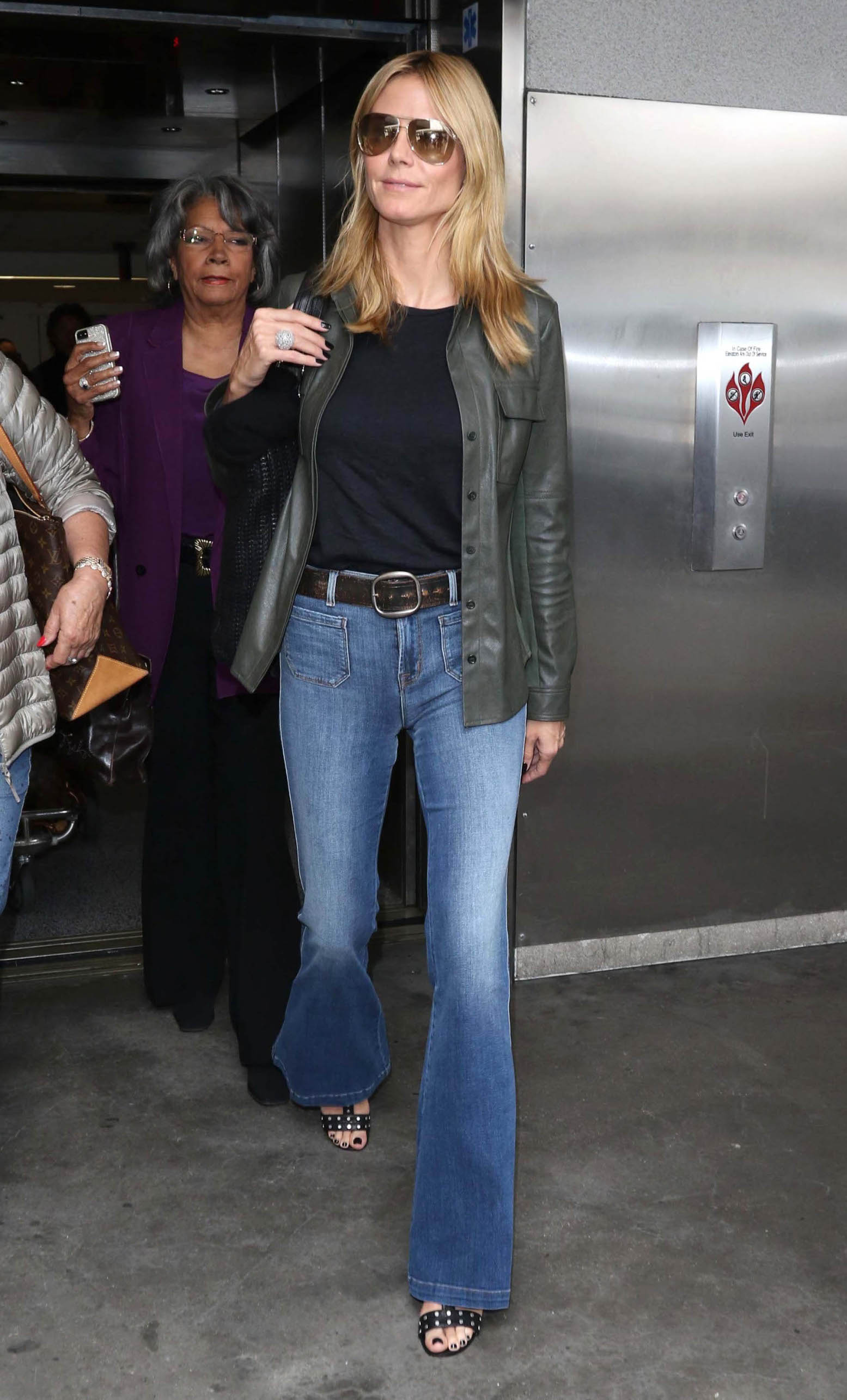 Heidi Klum is seen at LAX Airport. (Los Angeles, CA), Image: 246409633, License: Rights-managed, Restrictions: , Model Release: no, Credit line: JMA / StarMax / Profimedia