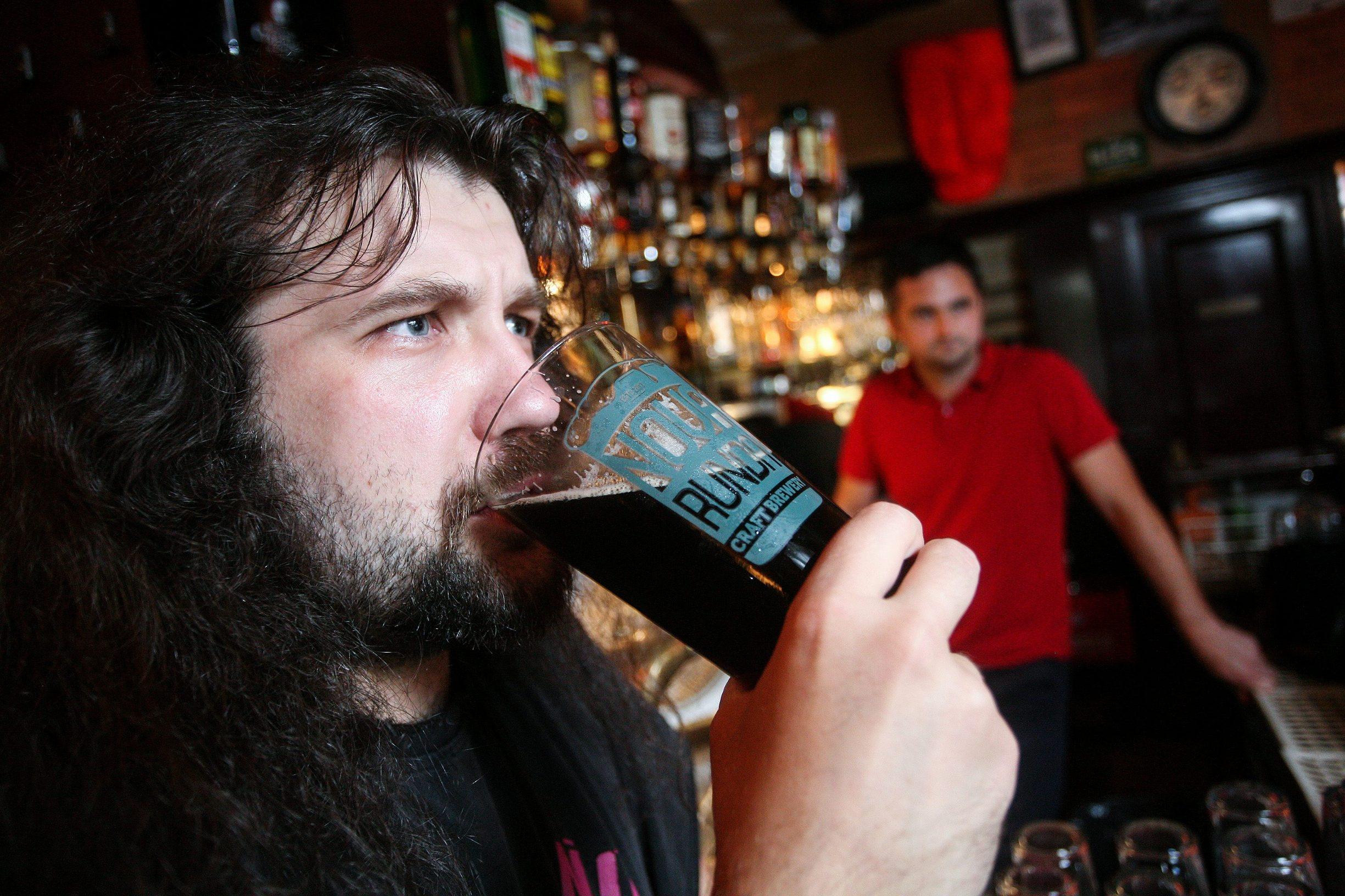 Zagreb, 200814. Opatovina 29. Reportaza o dvojici  vlasnika male pivovare Nova runda. Foto: Goran Mehkek / CROPIX