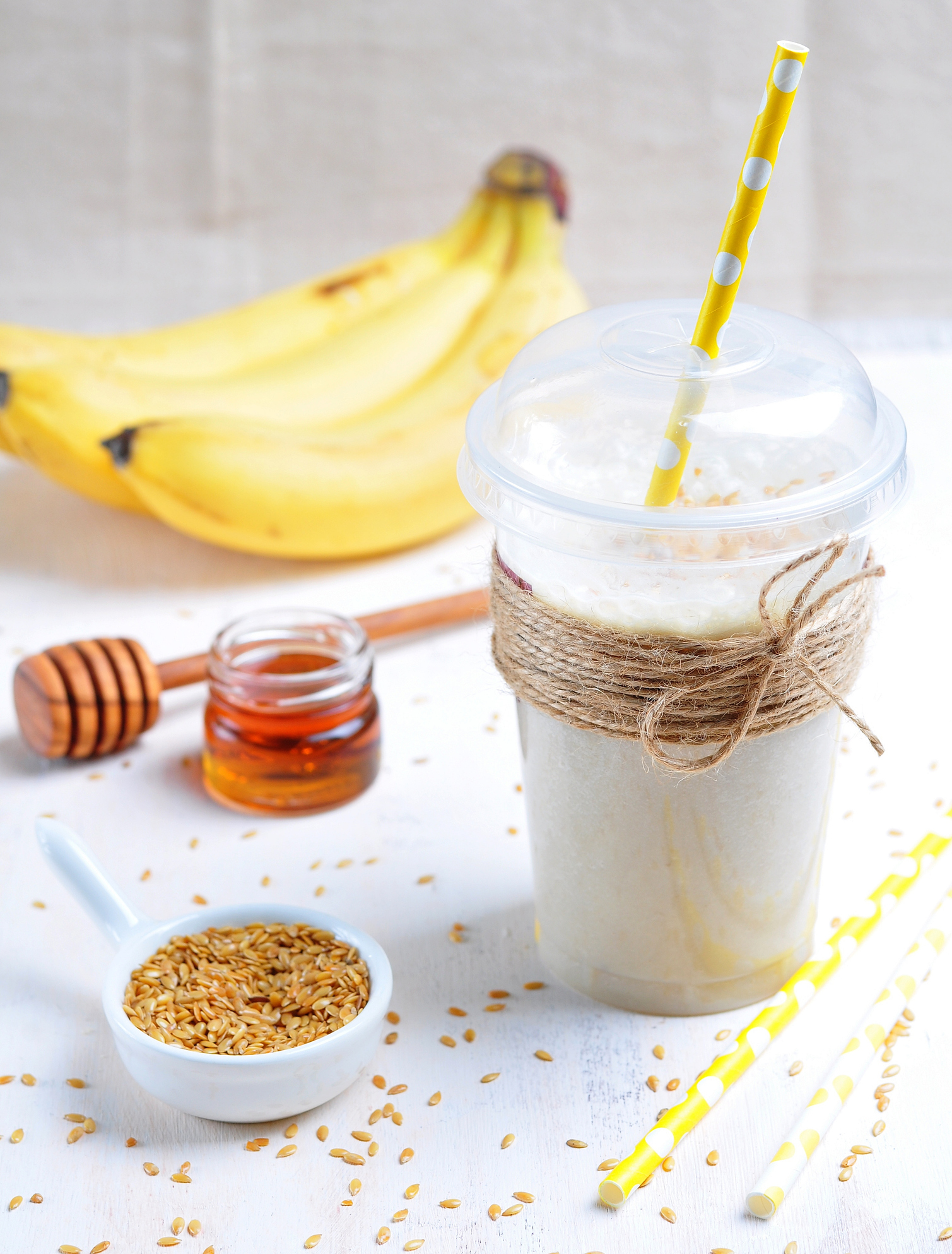 Banana smoothie with honey and flax seed