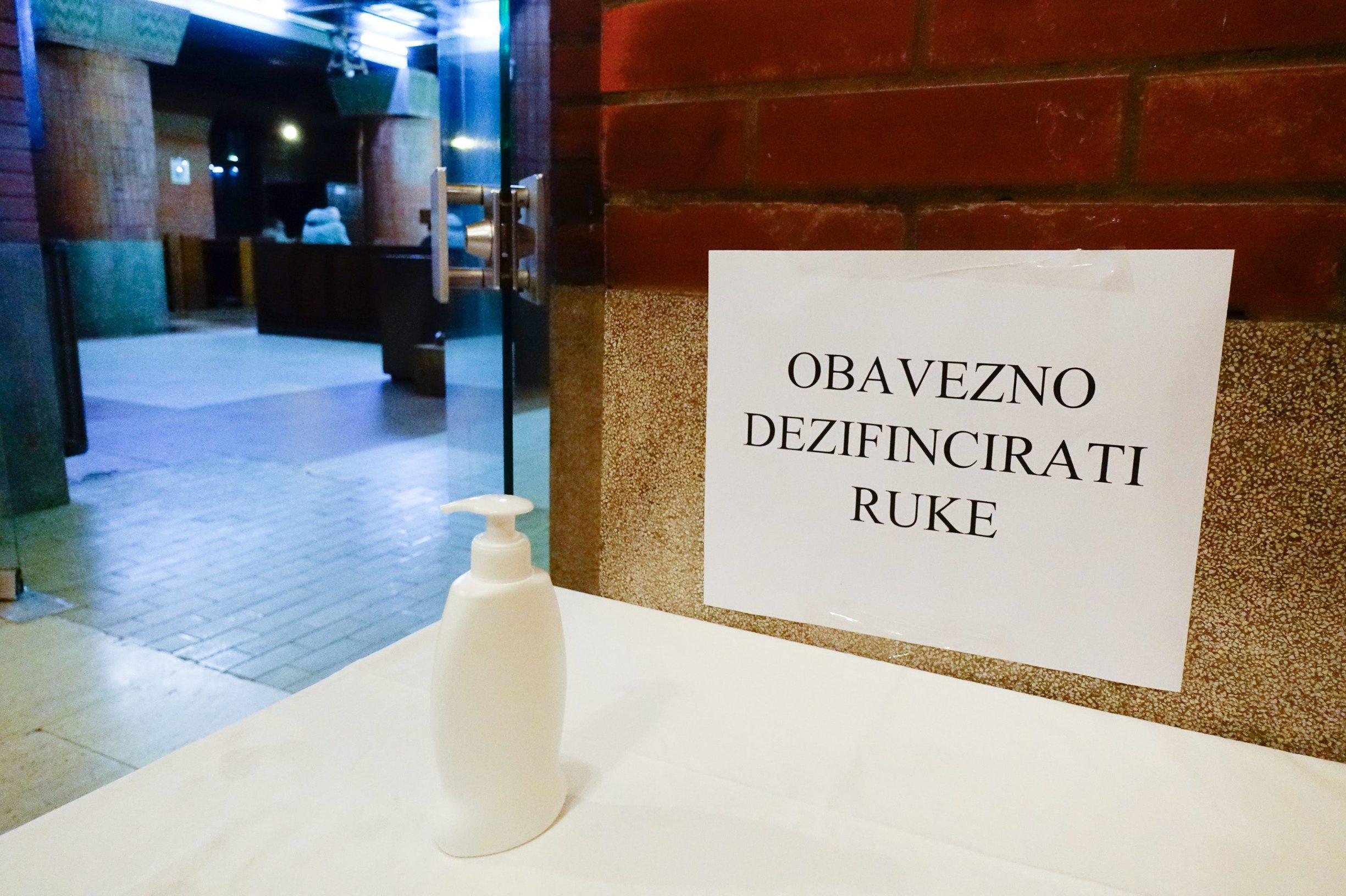 Zagreb, 020520. Zvonimirova ulica. Nakon popustanja mjera odrzana misa u crkvi Majke Bozje Lurdske.  Na fotografiji: misa.  Foto: Marko Todorov / CROPIX