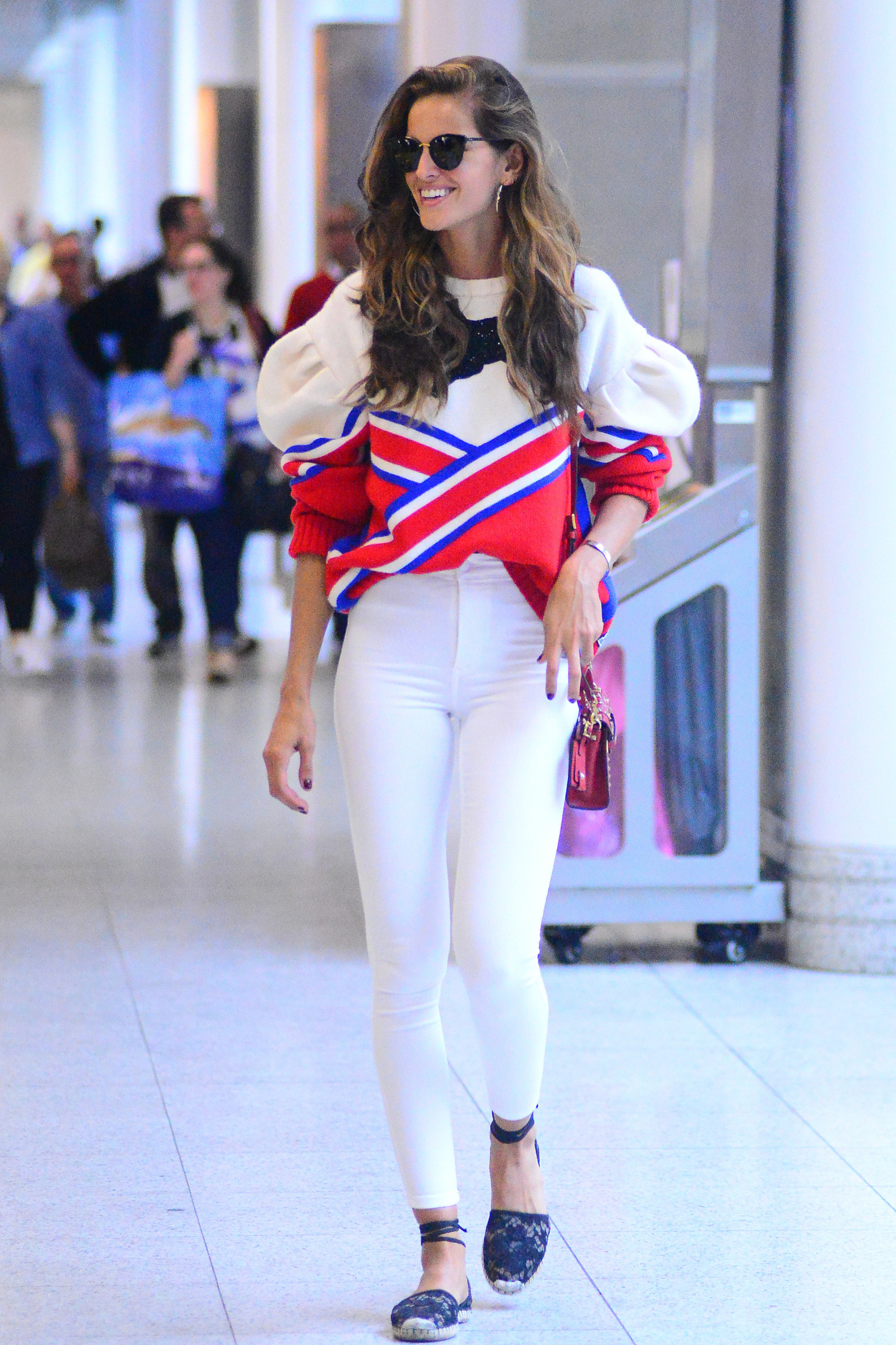 *EXCLUSIVE* Rio de Janeiro, Brazil - After a very exciting week in Rio promoting the Olympic Games and showing off her famous curves in different bikinis, Izabel Goulart says bye to Rio as she arrives at the airport ahead of a departing flight.      August 8, 2016, Image: 296499516, License: Rights-managed, Restrictions: , Model Release: no, Credit line: GADE / Backgrid USA / Profimedia