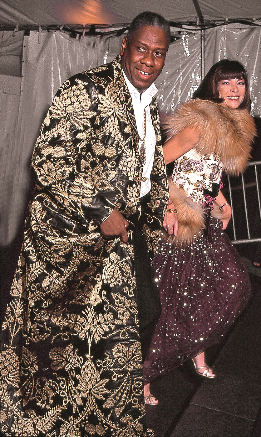 Editor-at-large Andre Leon Talley and Editor-in-chief Anna Wintour attend the Costume Institute gala at the Metropolitan Museum of Art, New York, New York, 1999. (Photo by Rose Hartman/Getty Images)