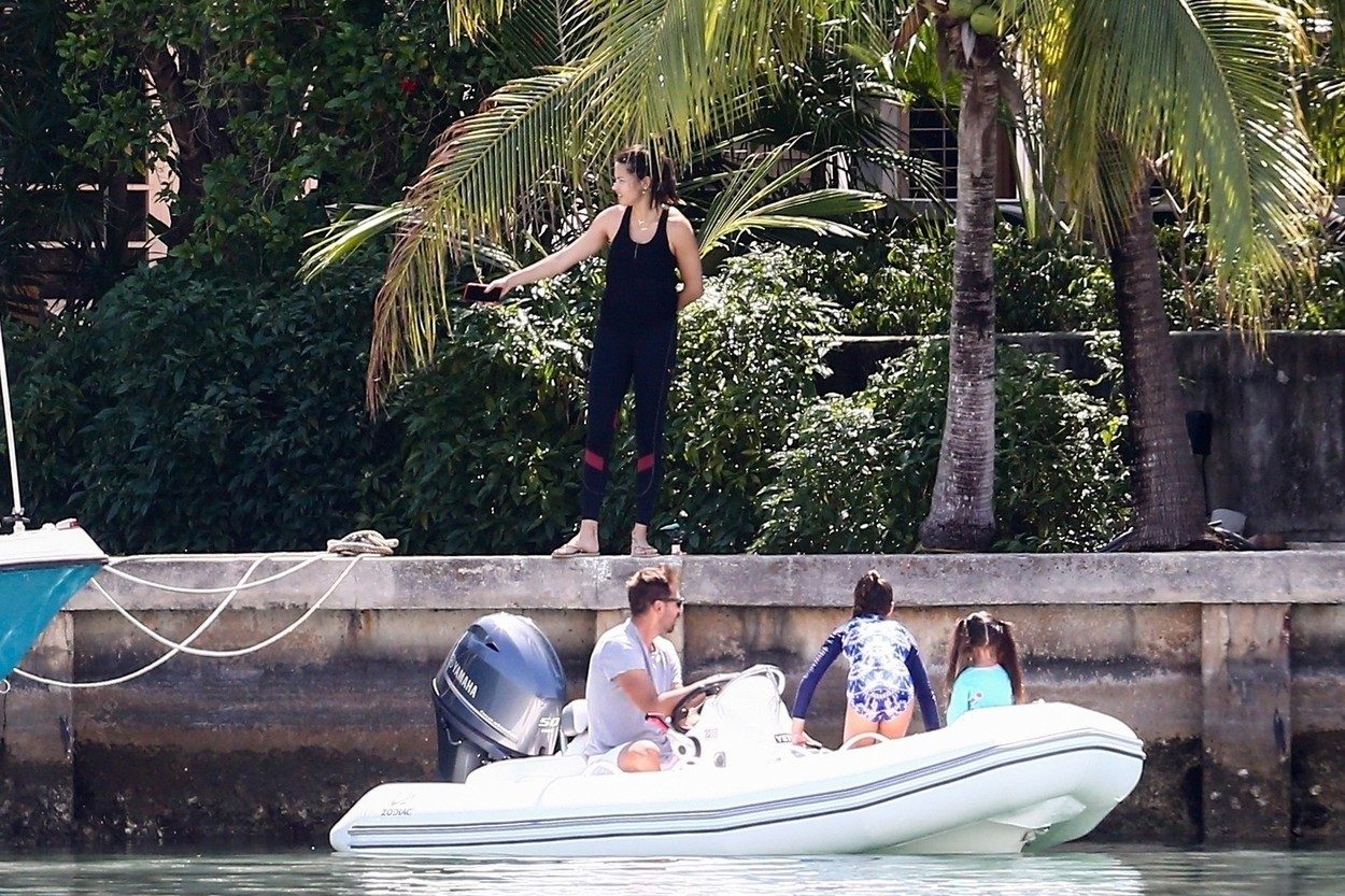 Miami, FL  - *EXCLUSIVE*  - Victoria's Secret model Adriana Lima looks to be quarantining with ex-husband Marko Jaric and their daughters Valentina and Sienna in Miami.  Marko the former NBA shooting guard took out one his little boats to take the girls out for a little ride while Adriana stayed on shore.  *UK Clients - Pictures Containing Children Please Pixelate Face Prior To Publication*, Image: 512286650, License: Rights-managed, Restrictions: , Model Release: no, Credit line: VAEM / BACKGRID / Backgrid USA / Profimedia
