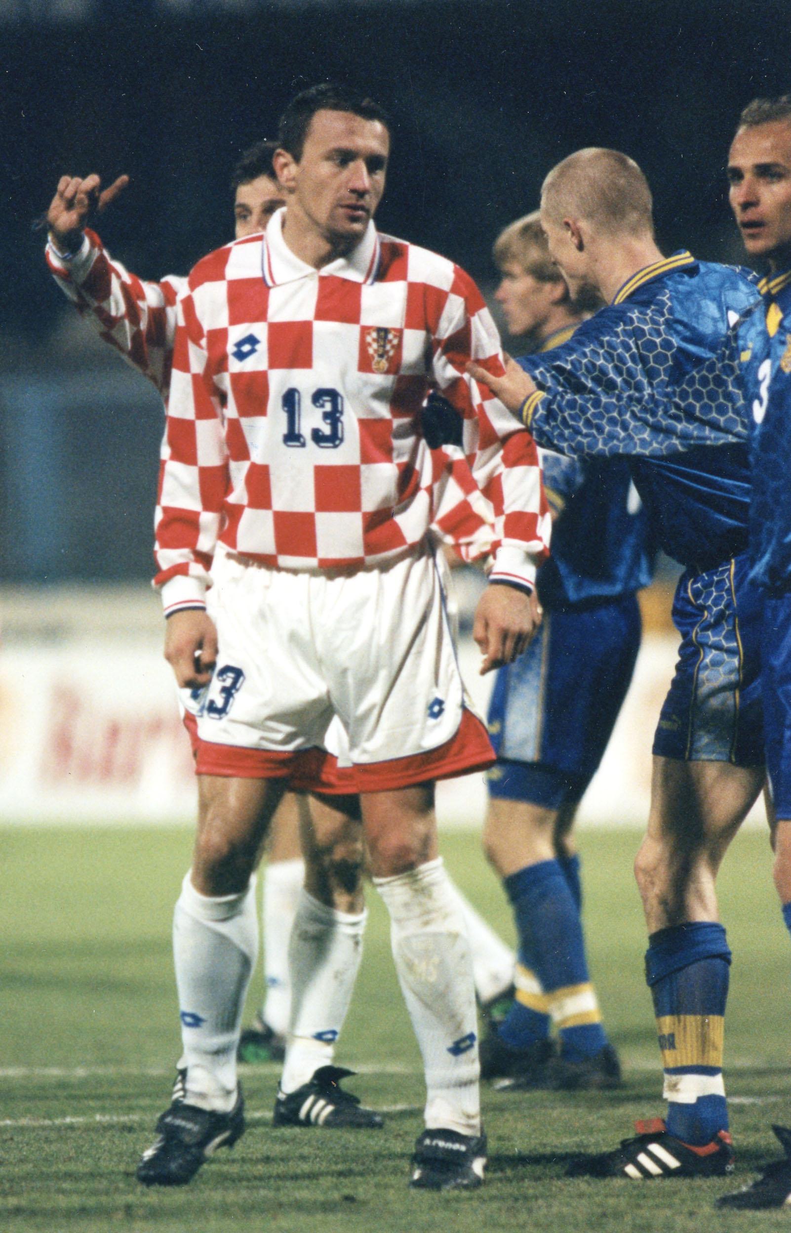 Zagreb, 29.10.1997. Utakmica doigravanja za SP 1998.  Hrvatska - Ukrajina 2:0  Mario Stanic/Staniæ   snimio: R. Valai