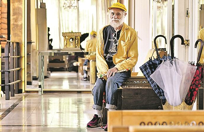 Zagreb, 300420. Ilica. Daniel Avrutick, Amerikanac sa prebivalistem u Leipzigu, zongler koji je zbog koronavirusa zapeo u Zagrebu. Foto: Ronald Gorsic / CROPIX