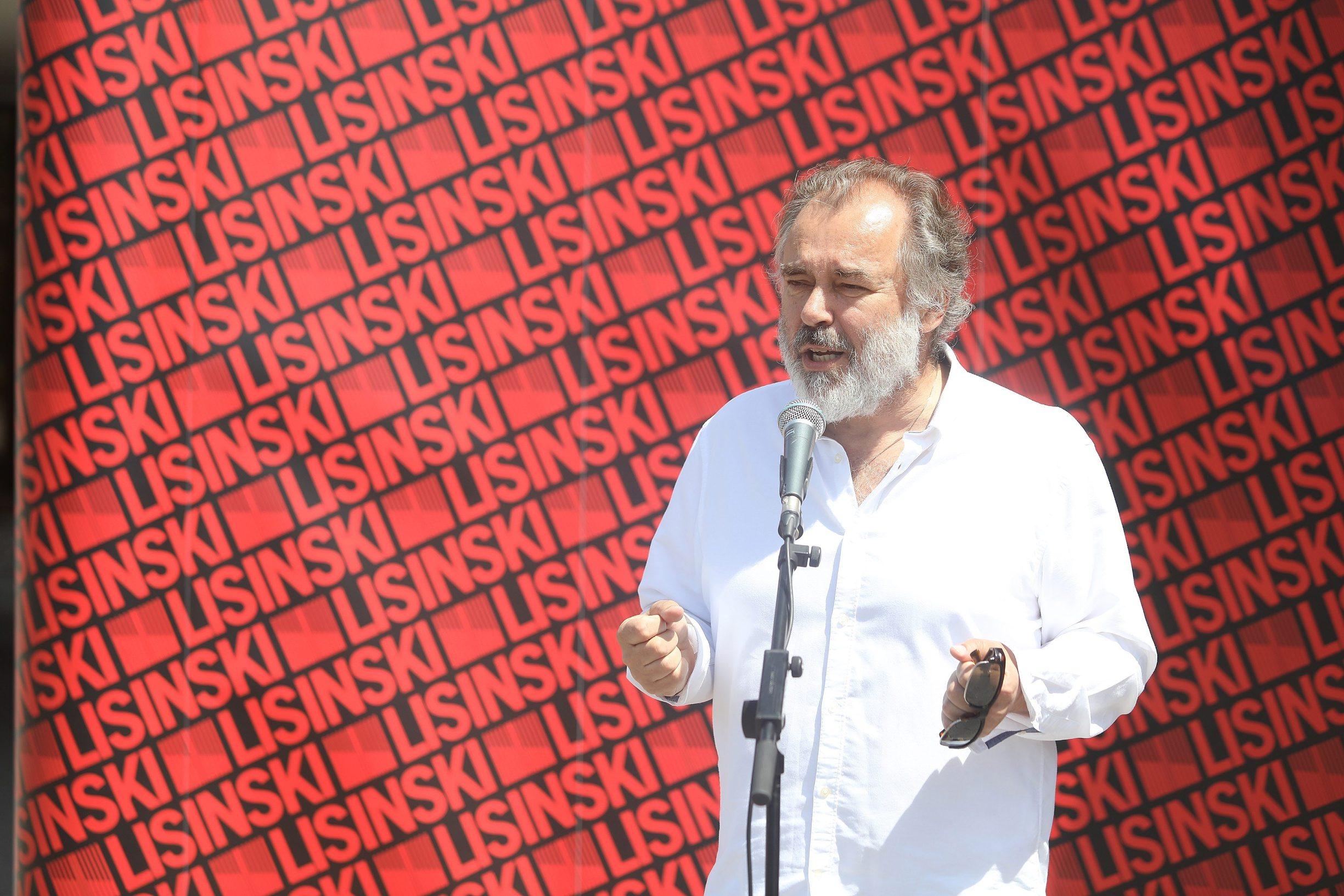 Zagreb, 080520. KD Lisinski Drazen Siriscevic predstavio projekt Lisinski na otvorenome. Na fotografiji: Drazen Siriscevic. Foto: Ranko Suvar / CROPIX