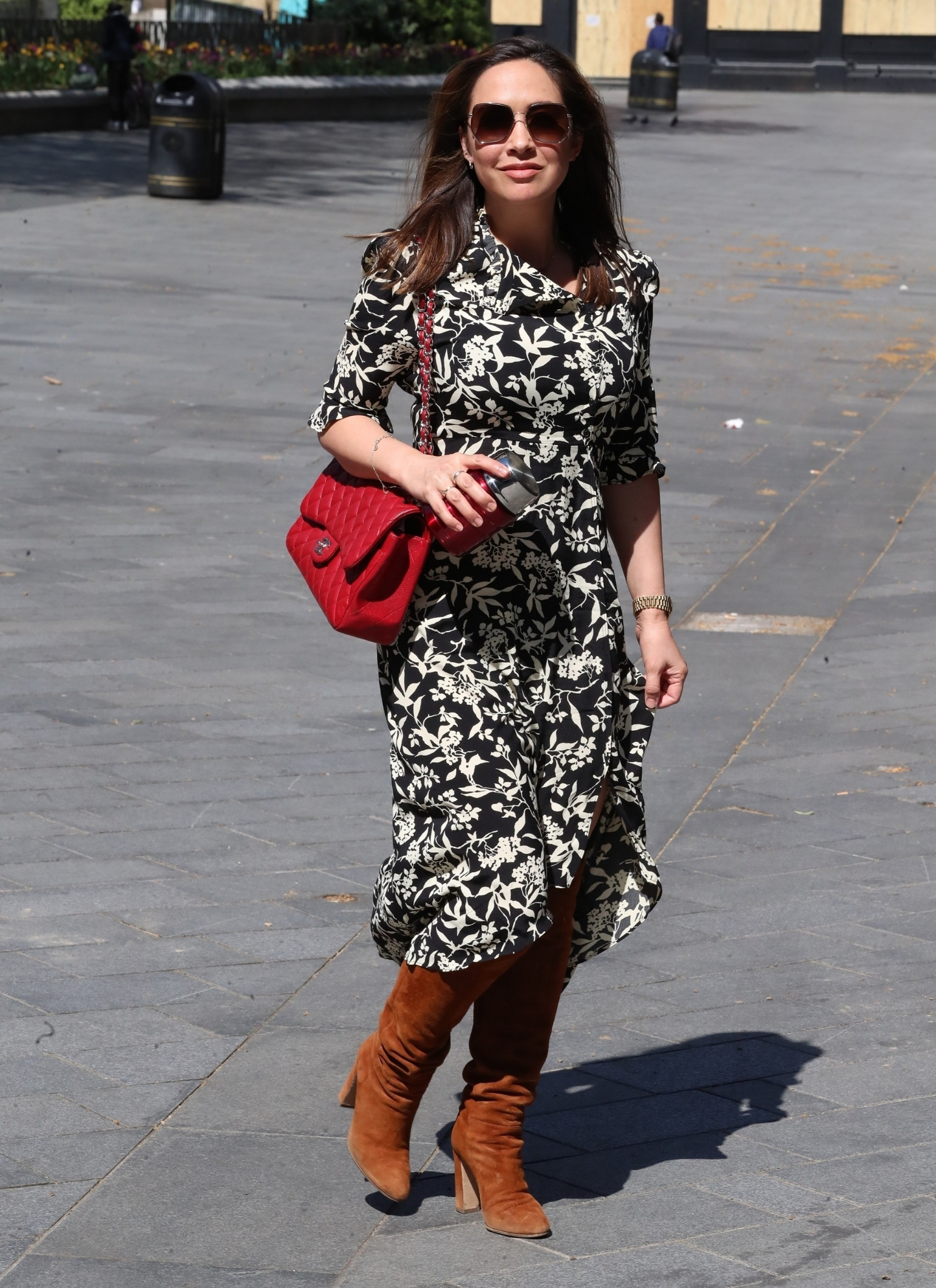 London, UNITED KINGDOM  - Radio Presenter and singer Myleene Klass look summers in a floral dress as she's pictured leaving at Smooth Radio in London.  *UK Clients - Pictures Containing Children Please Pixelate Face Prior To Publication*, Image: 514357235, License: Rights-managed, Restrictions: , Model Release: no, Credit line: BACKGRID / Backgrid UK / Profimedia