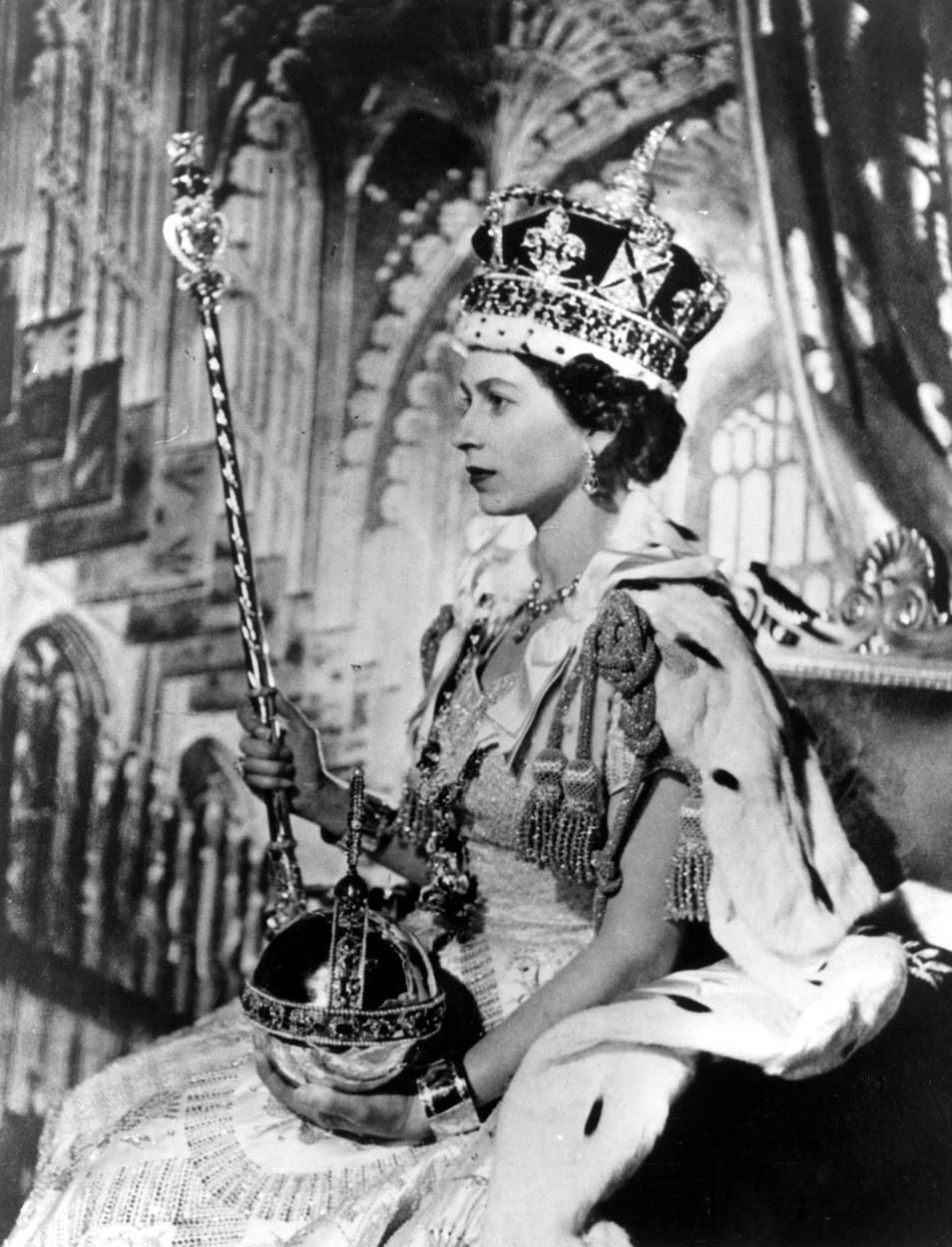 Jun 02, 1953 - London, England, UK - QUEEN ELIZABETH II has been crowned at a coronation ceremony in Westminster Abbey in London. In front of more than 8,000 guests, including prime ministers and heads of state from around the Commonwealth, she took the Coronation Oath and is now bound to serve her people and to maintain the laws of God. The princess formally proclaimed herself Queen and Head of the Commonwealth and Defender of the Faith in February 1952 but the amount of planning and a wish for a sunny day for the occasion led to the long but excited wait for this day.,Image: 210124828, License: Rights-managed, Restrictions: , Model Release: no