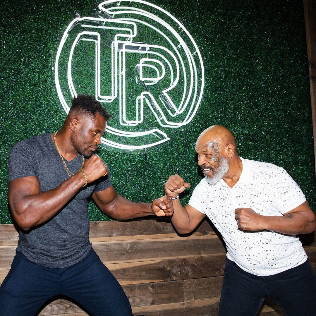 Francis Ngannou i Mike Tyson