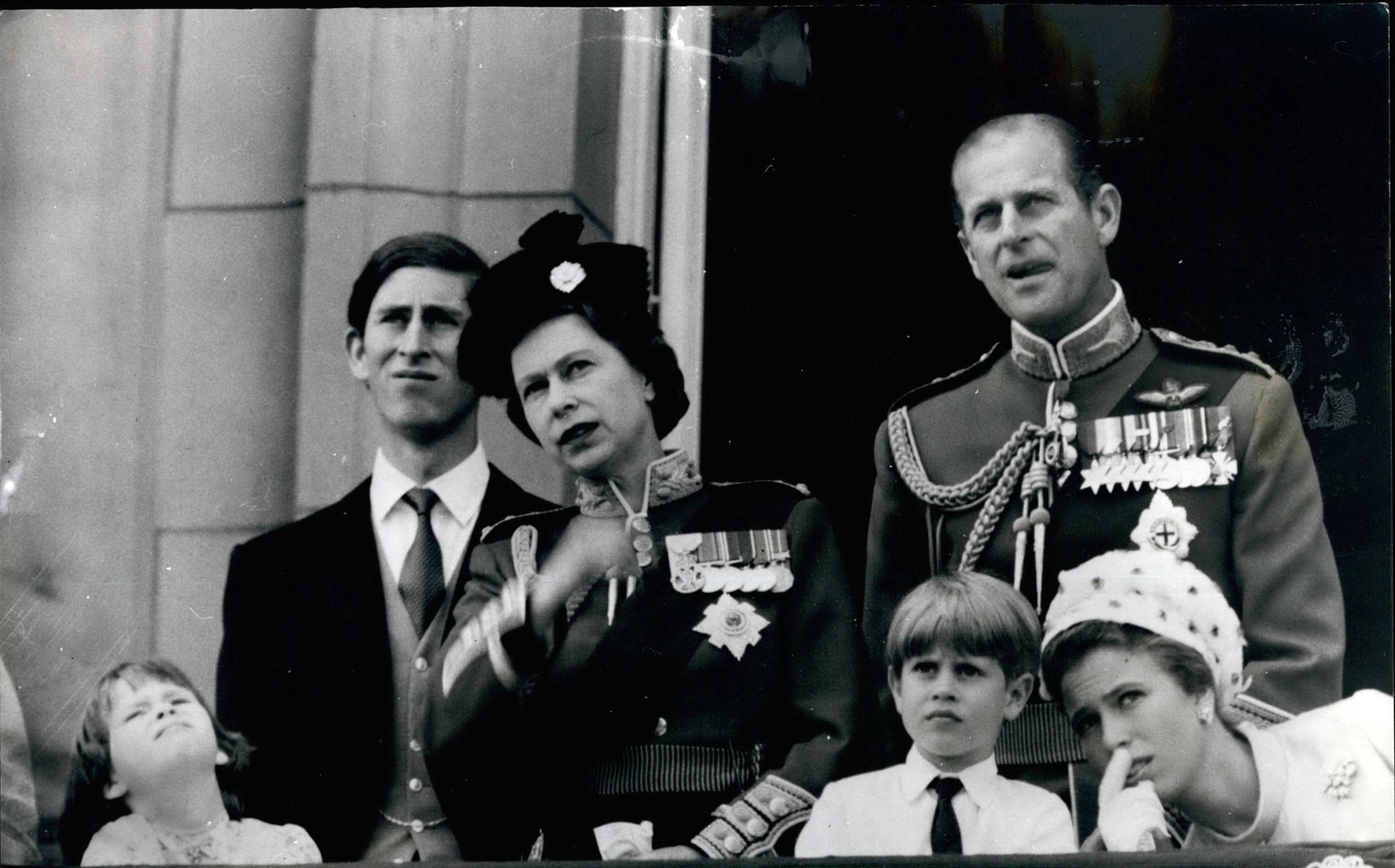 Jun. 13, 1970 - June 13th 1970 Queen¢¬¢s Birthday Celebrations ¢¬ The Queen celebrated her official birthday today with the traditional ceremony of the Trooping the Colour on Horse Guards Parade by the 2nd Battalion Scots Guards. Photo Shows: The Queen, Prince Philip, Prince Charles, Princess Anne, Prince Edward watch the fly past from the Balcony of Buckingham Palace. (Credit Image: Keystone Pictures USA/ZUMAPRESS),Image: 338554686, License: Rights-managed, Restrictions: Contributor country restriction: Worldwide, Worldwide, Worldwide, Worldwide, Worldwide, Worldwide. Contributor usage restriction: Advertising and promotion, Consumer goods, Direct mail and brochures, Indoor display, Internal business usage, Commercial electronic. Contributor media restriction: {5A0C4748-B9FE-405C-8D78-7320C4B0CD24}, {5A0C4748-B9FE-405C-8D78-7320C4B0CD24}, {5A0C4748-B9FE-405C-8D78-7320C4B0CD24}, {5A0C4748-B9FE-405C-8D78-7320C4B0CD24}, {5A0C4748-B9FE-405C-8D78-7320C4B0CD24}, {5A0C4748-B9FE-405C-8D78-7320C4B0CD24}., Model Release: no, Credit line: Keystone Pictures USA / Alamy / Alamy / Profimedia