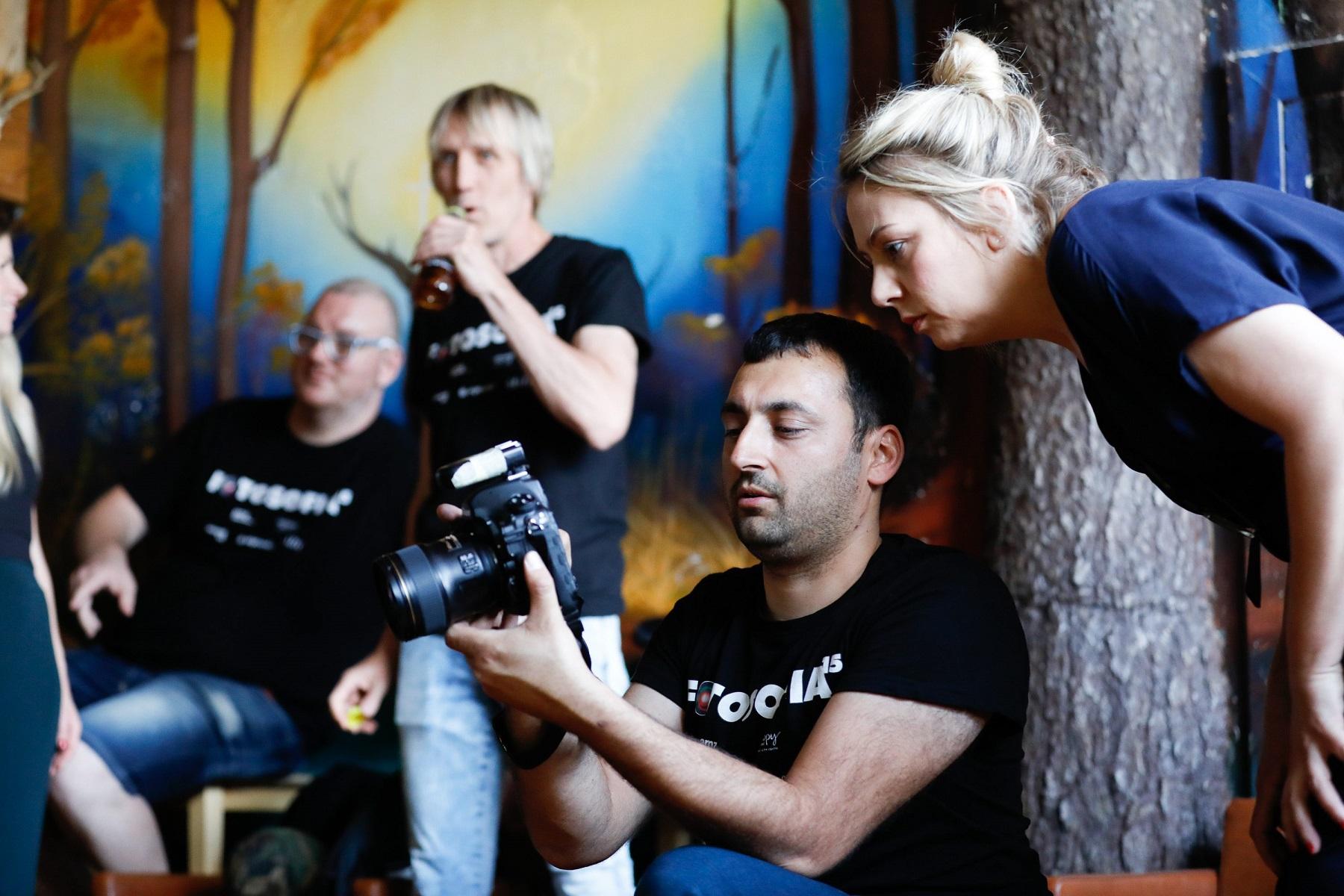 Zagreb, 110620. Katran. Sestodnevni seminar za naprednu fotografiju Fotosofia odrzava se pod vodstvom fotografa Damira Hoyke.  Na fotografiji: atmosfera na seminaru.  Foto: Marko Todorov / CROPIX