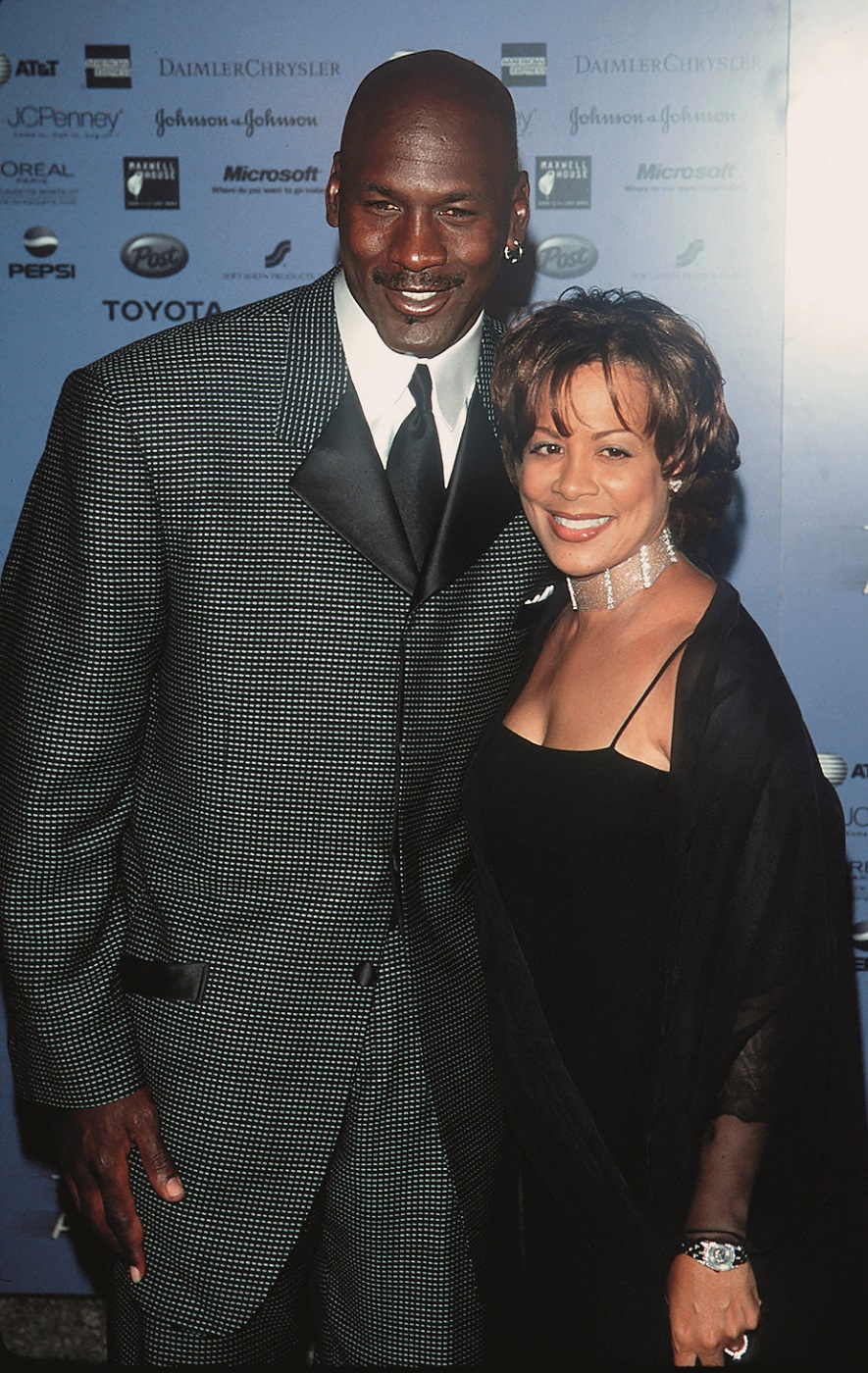 4/14/00 New York City  Essence Awards 2000 at Radio City Music Hall.  Honoree Michael Jordan with wife Juanita.      Photo by Evan Agostini/ImageDirect