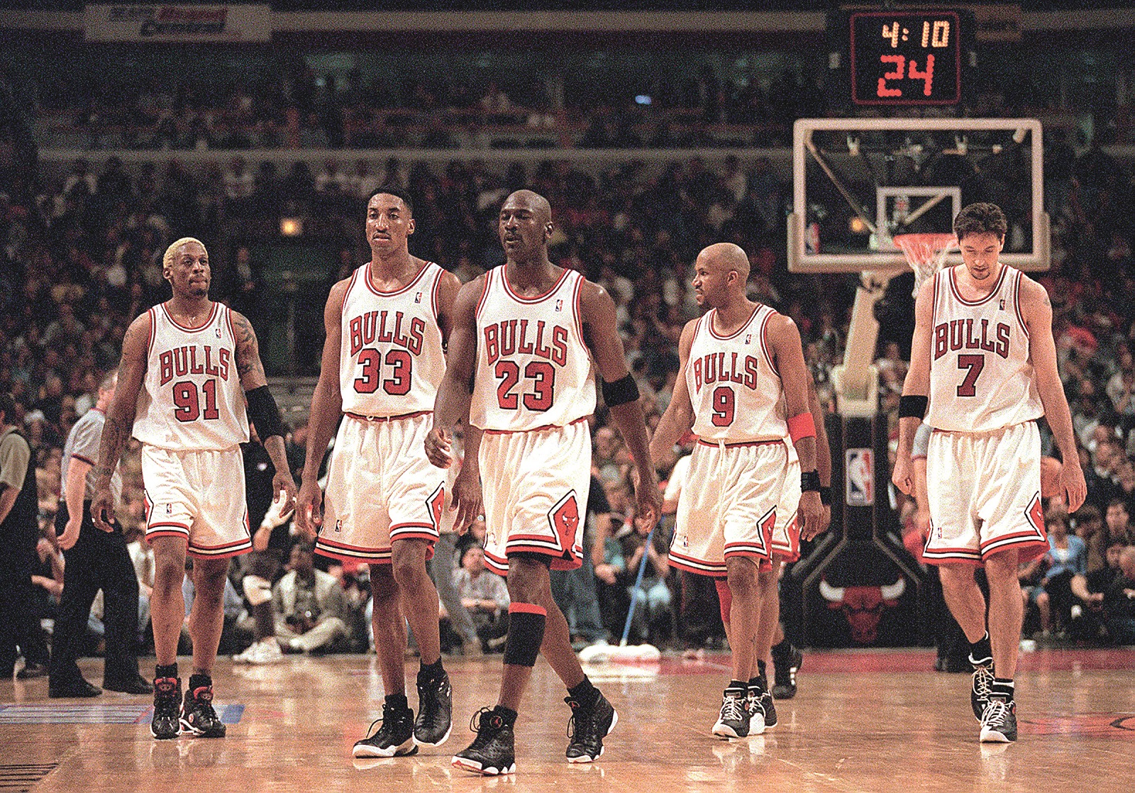 April 24, 1998 - Chicago, IL, USA - From left, Dennis Rodman, Scottie Pippen, Michael Jordan, Ron Harper and Toni Kukoc were big parts of Bulls teams that won three straight NBA titles from 1996 to 1998. Jordan and Pippen were members of the first ''three-peat'' team, which won titles from 1991 to 1993.,Image: 217373559, License: Rights-managed, Restrictions: , Model Release: no, Credit line: Nuccio Dinuzzo / Zuma Press / Profimedia