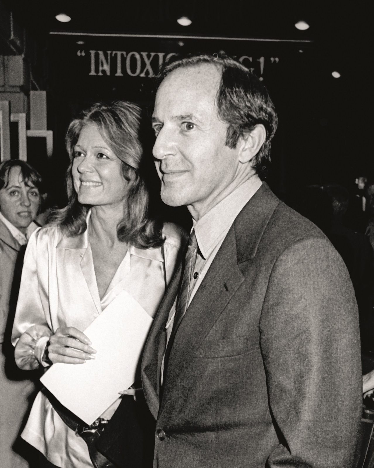 NEW YORK CITY - NOVEMBER 17:  Gloria Steinem and Mort Zuckerman attend PEN Literary Celebration on November 17, 1985 at the Royal Theater in New York City. (Photo by Ron Galella/Ron Galella Collection via Getty Images)