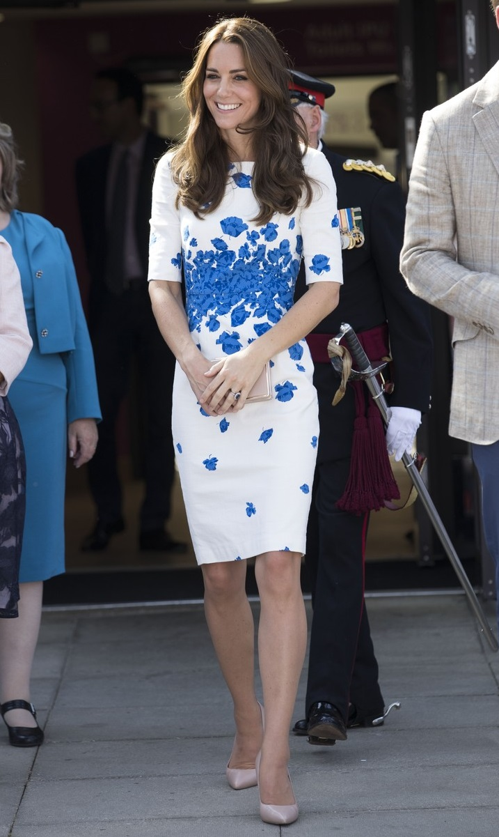 156182, The Duchess of Cambridge seen leaving Keech Hospice Care in Luton. Luton, United Kingdom - Wednesday August 24, 2016. UK, FRANCE, AUS, NZ, CHINA, HONG KONG, TAIWAN, SPAIN & ITALY OUT,Image: 297840792, License: Rights-managed, Restrictions: RESTRICTIONS APPLY, Model Release: no, Credit line: i-Images, PacificCoastNews / Pacific coast news / Profimedia