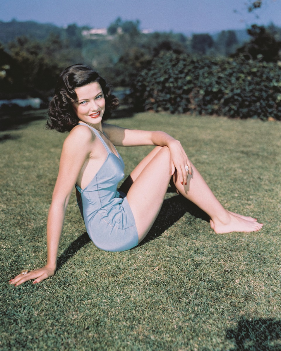 American actress Gene Tierney (1920 - 1991) in a pale blue swimsuit, circa 1945. (Photo by Silver Screen Collection/Hulton Archive/Getty Images)