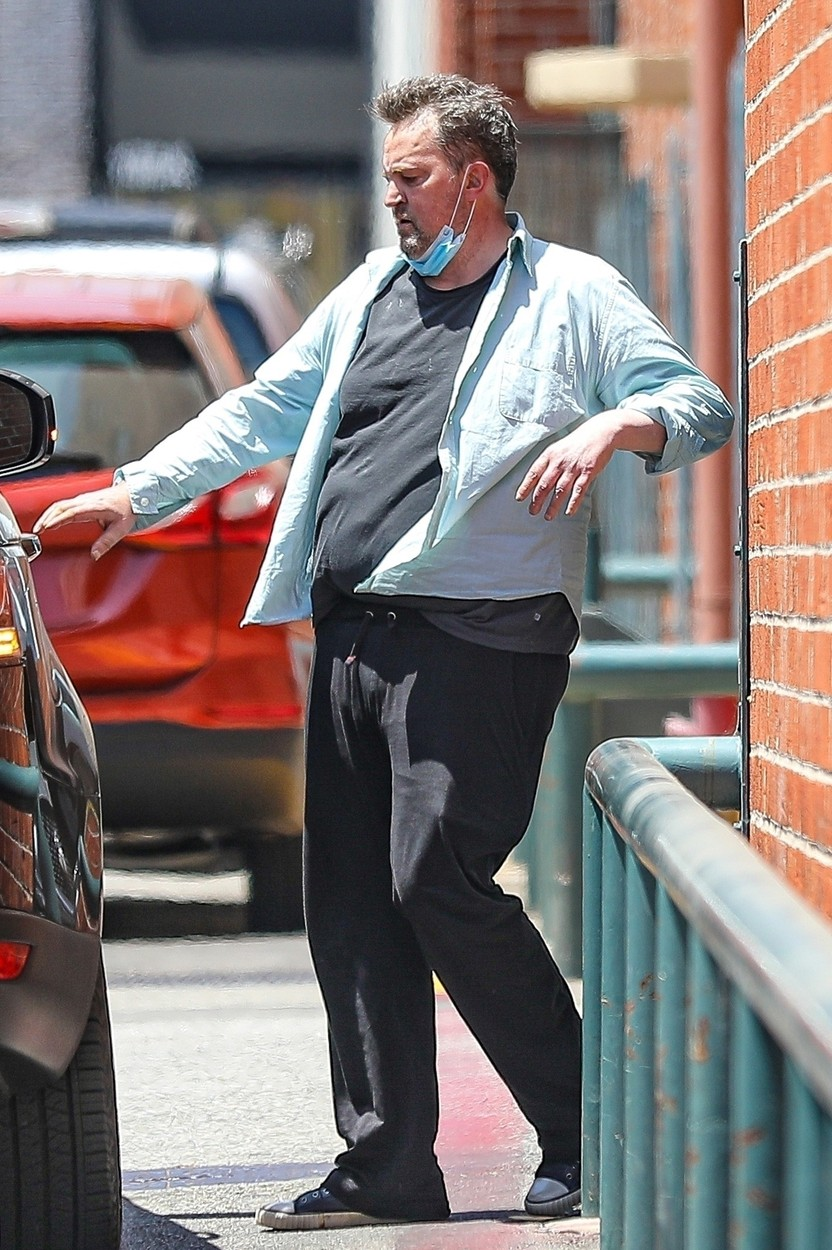 Beverly Hills, CA  - *EXCLUSIVE*  - Actor Matthew Perry has seen better days as he is seen leaving an office building in Beverly Hills.  Matthew appeared to be struggling and out of breath leaning on side of the building before trying to enter the passenger side of his car.  Upon leaving Matthew is seen puffing on a fresh lit cigarette.  *UK Clients - Pictures Containing Children Please Pixelate Face Prior To Publication*,Image: 537670332, License: Rights-managed, Restrictions: , Model Release: no, Credit line: SPOT-stoianov / BACKGRID / Backgrid USA / Profimedia