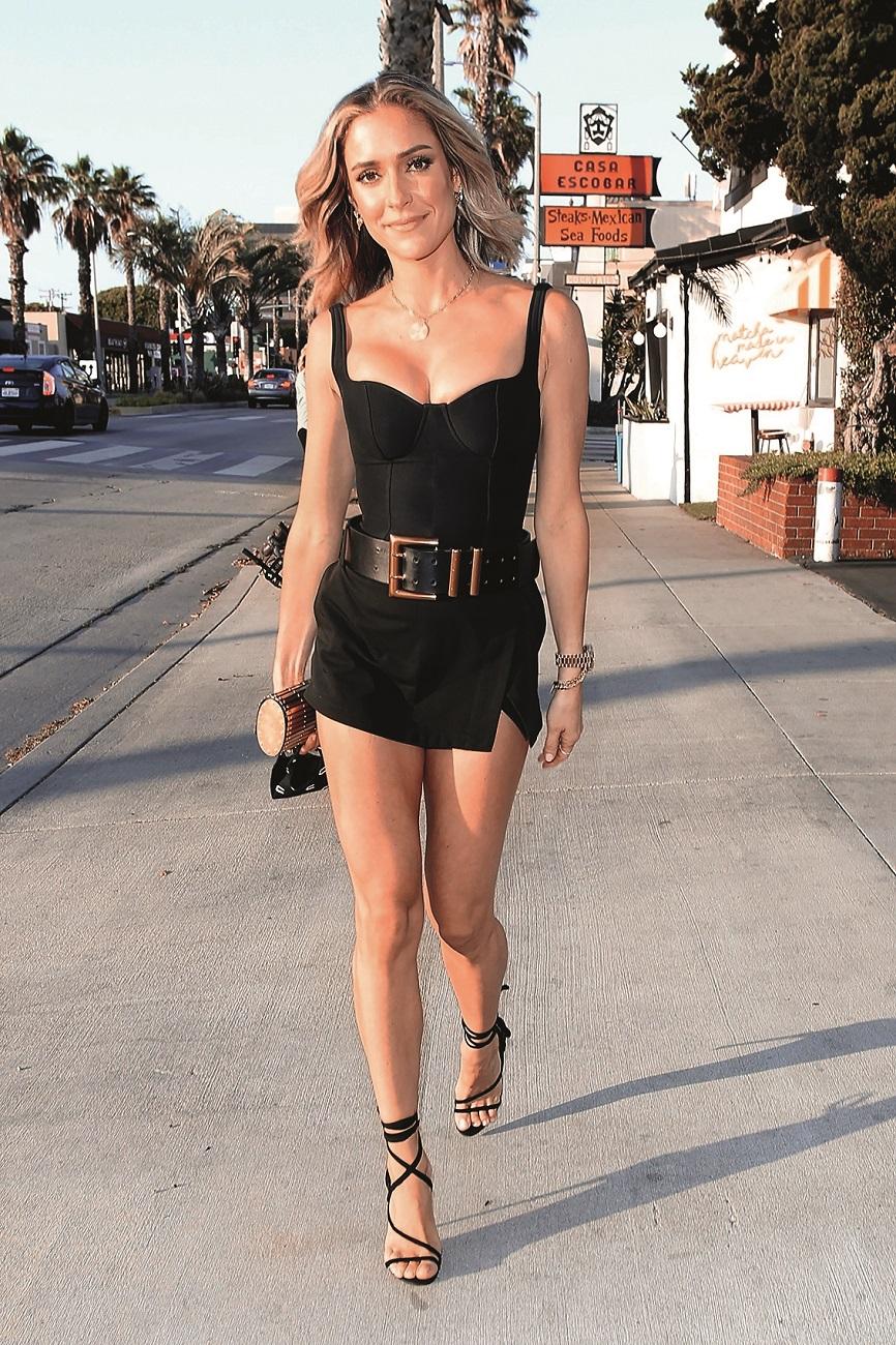 Santa Monica, CA  - *PREMIUM-EXCLUSIVE*  - First public sighting of Kristin Cavallari since her divorce drama. Kristin Cavallari steps out for dinner at