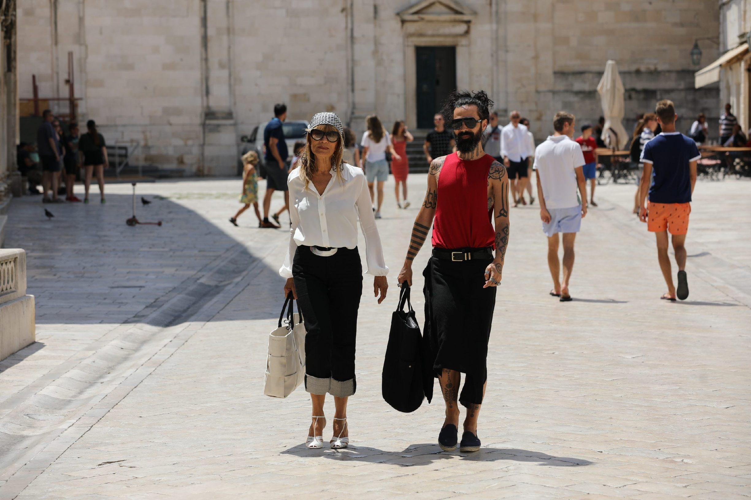 Dubrovnik, 070720. Bozo Vreco i Djurda Tedeschi na Stradunu. Foto: Bozo Radic / CROPIX