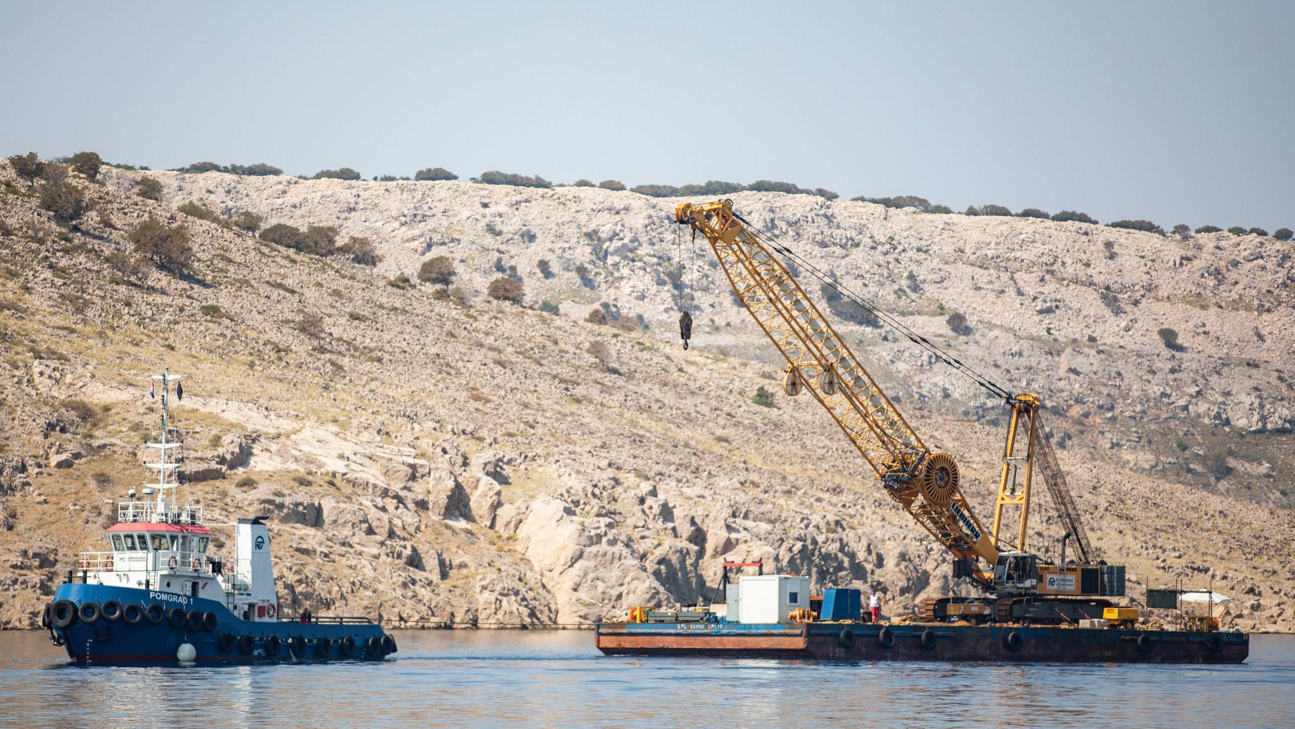 Crisnjevo, 100820. U tijeku su pripreme za izgradnju plinovoda koji ce biti polozen u more izmedju otoka Krka i kopna. Na fotografiji: gradiliste. Foto: Matija Djanjesic / CROPIX