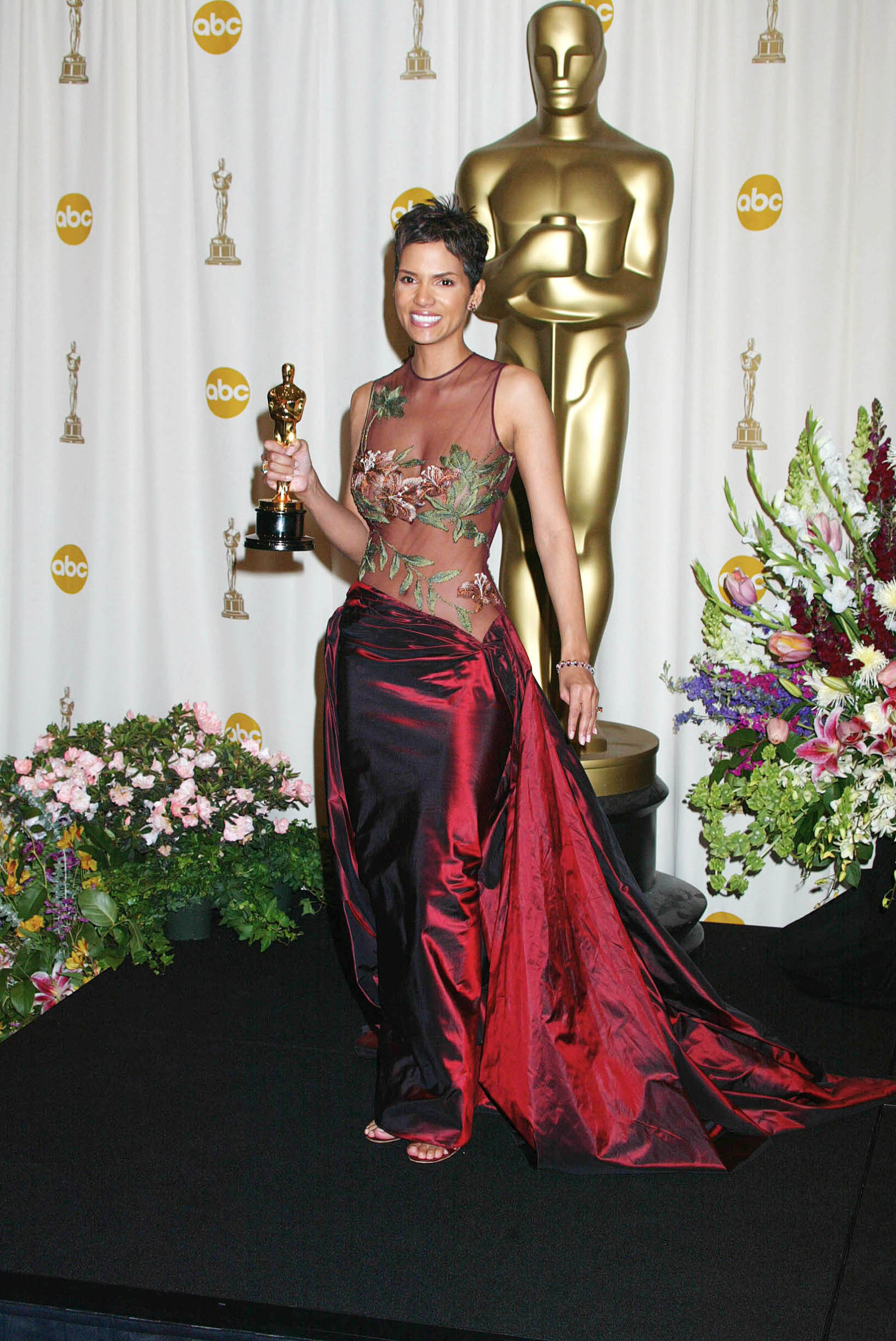 Halle Berry in the press room at The Oscars. ( The Kodak Theater, Hollywood, California ),Image: 17946692, License: Rights-managed, Restrictions: , Model Release: no, Credit line: Russ Einhorn / StarMax / Profimedia