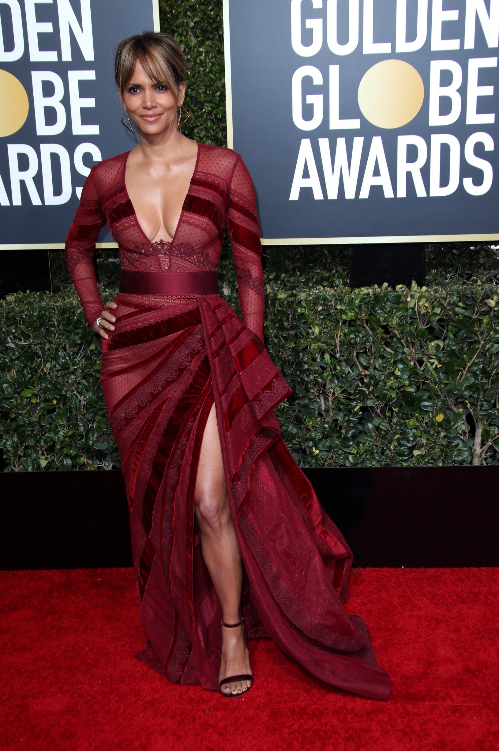 Halle Berry 76th Annual Golden Globe Awards, Arrivals, Los Angeles, USA - 06 Jan 2019,Image: 405623231, License: Rights-managed, Restrictions: , Model Release: no, Credit line: Matt Baron/BEI / Shutterstock Editorial / Profimedia