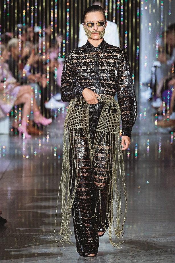 NYFW-Area show, Runway, Spring Summer 2020, New York Fashion Week, USA  Pictured: Model on the catwalk,Image: 469699697, License: Rights-managed, Restrictions: -ITA, Model Release: no, Credit line: SplashNews.com / Splash / Profimedia