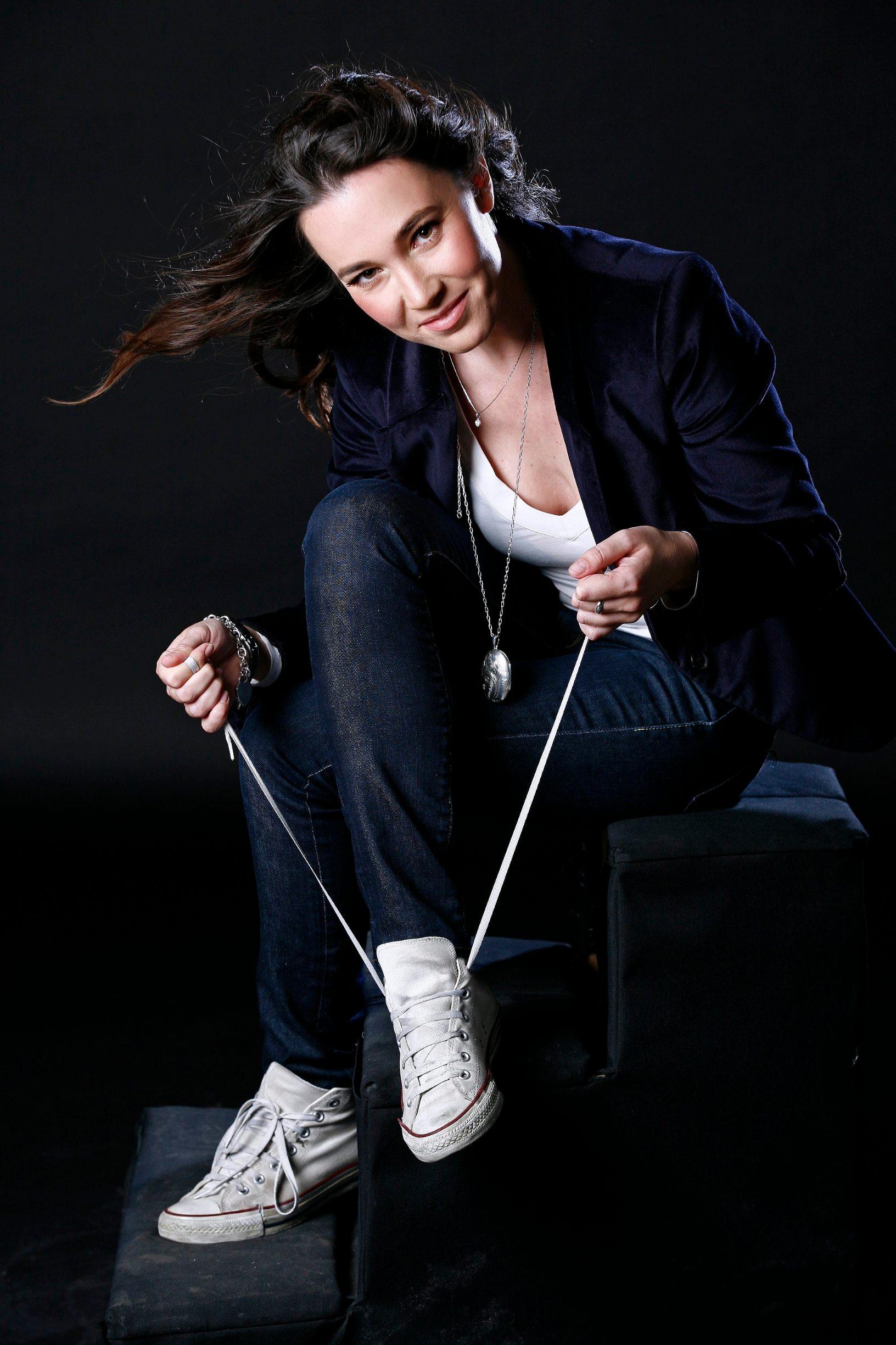 Zagreb, 280910. Na slici: Pjevacica i kantautorica Lea Dekleva snimljena u studiju EPH. Foto: Neja Markicevic / CROPIX