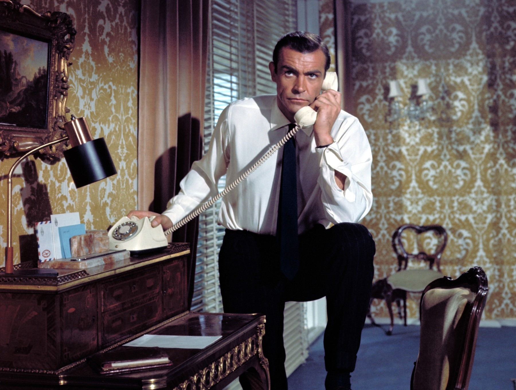 FROM RUSSIA WITH LOVE, Sean Connery, 1963.,Image: 97894455, License: Rights-managed, Restrictions: For usage credit please use; Courtesy Everett Collection, Model Release: no, Credit line: Courtesy Everett Collection / Everett / Profimedia