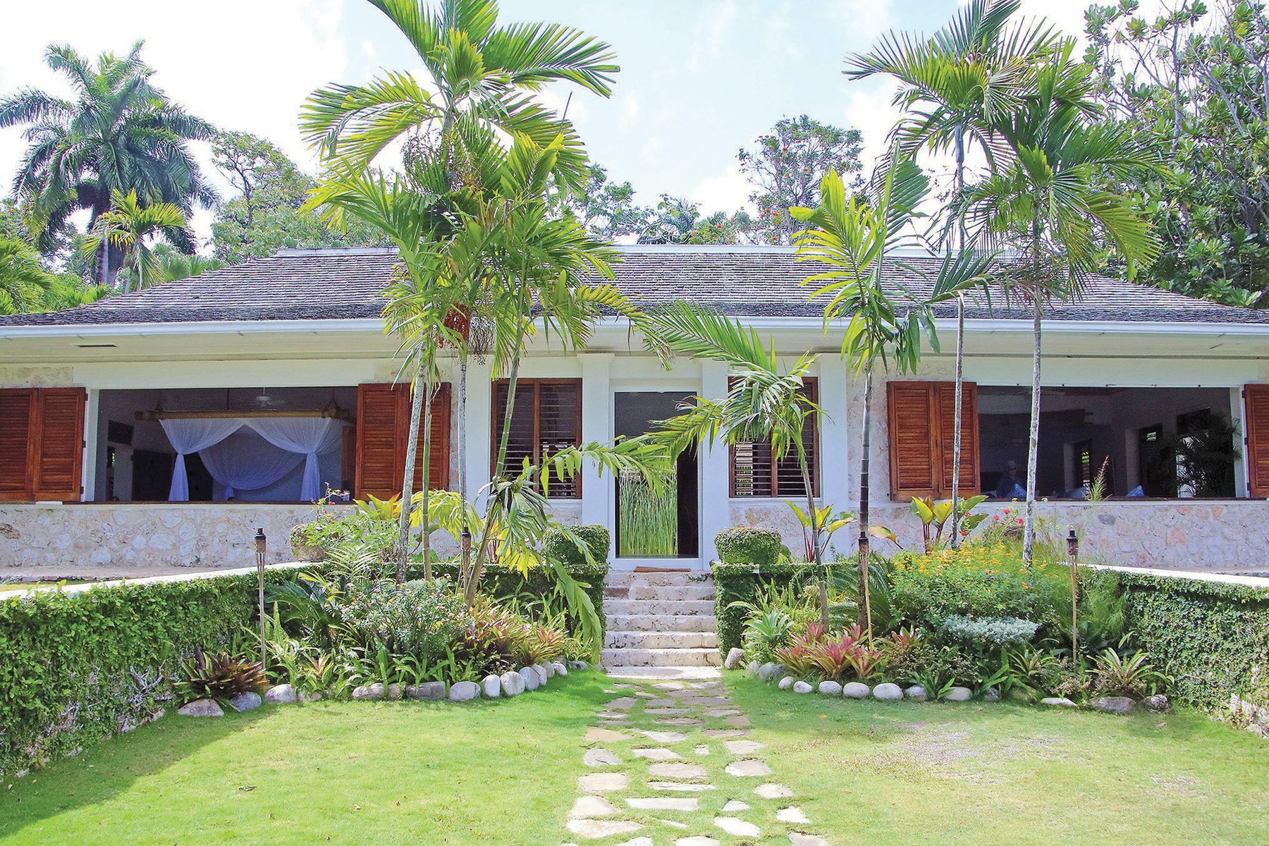 Ian Fleming's villa, where agent 007 came to life, is part of the GoldenEye resort in Jamaica.,Image: 450963790, License: Rights-managed, Restrictions: HFA WEB BL LN, Model Release: no, Credit line: Norma Meyer / Newscom / Profimedia