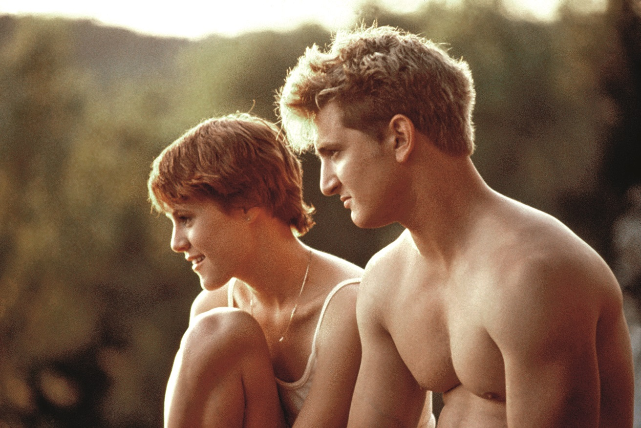 AT CLOSE RANGE, Mary Stuart Masterson, Sean Penn, 1986, (c) Orion/courtesy Everett Collection