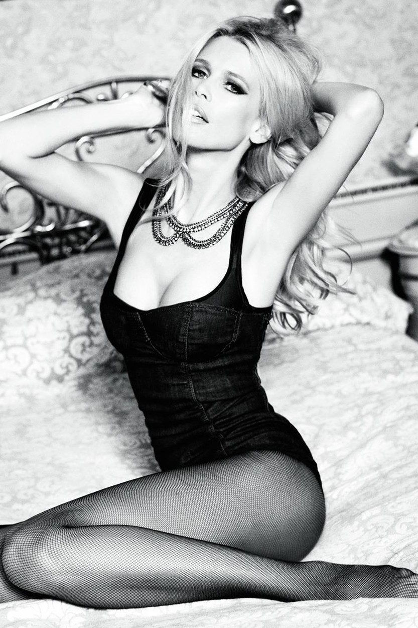 12.04.12 Claudia Schiffer for Guess - 30th Anniversary campaign. Pictured: Claudia Schiffer,Image: 125954294, License: Rights-managed, Restrictions: , Model Release: no, Credit line: Guess / Planet / Profimedia